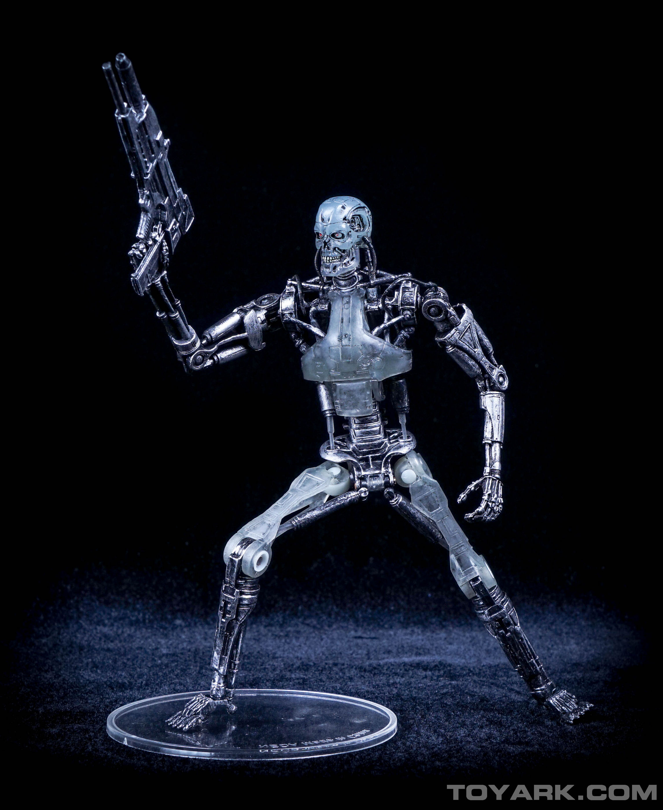 http://news.toyark.com/wp-content/uploads/sites/4/2015/08/Terminator-2-T-800-Endoglow-022.jpg