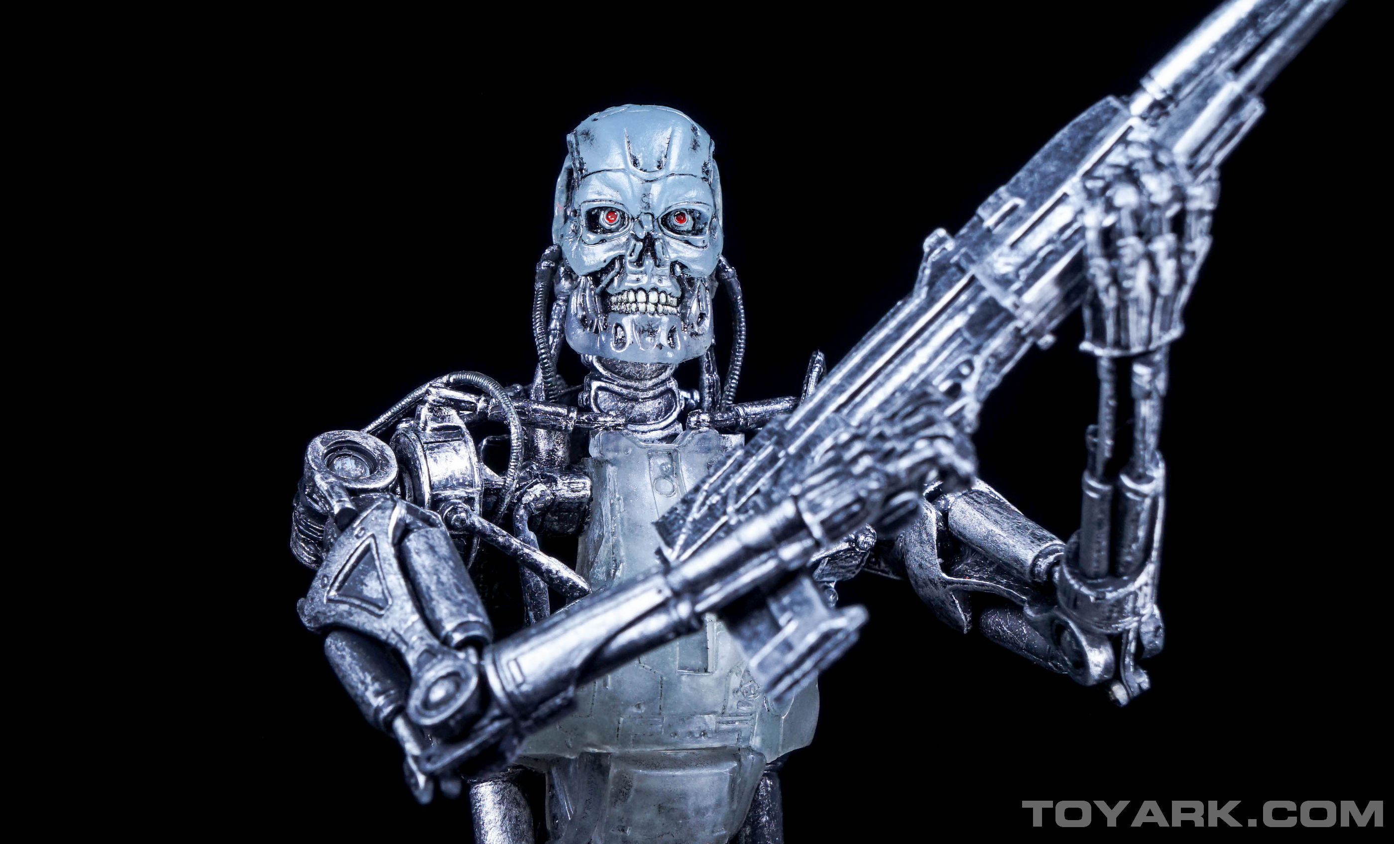 http://news.toyark.com/wp-content/uploads/sites/4/2015/08/Terminator-2-T-800-Endoglow-027.jpg