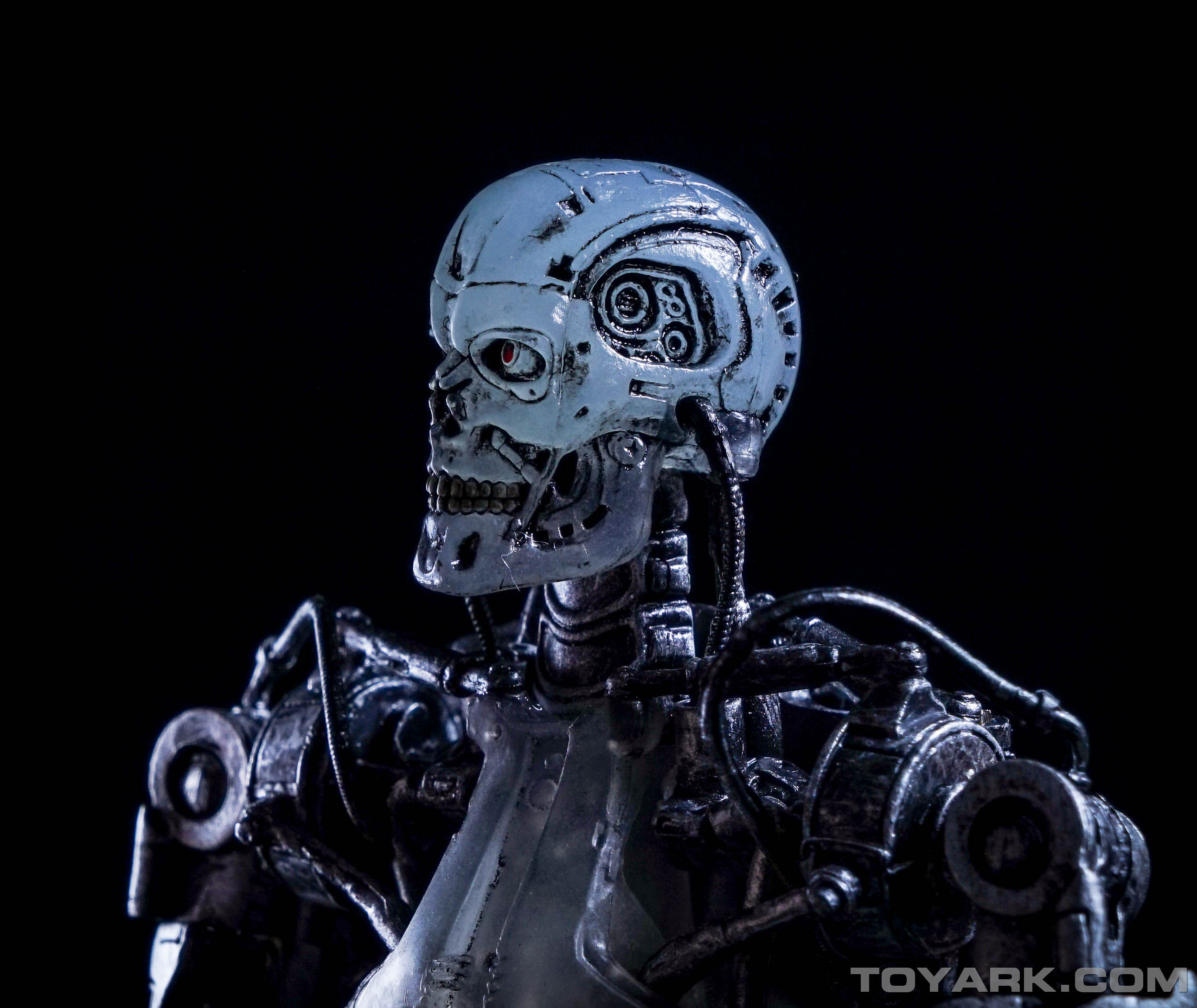 http://news.toyark.com/wp-content/uploads/sites/4/2015/08/Terminator-2-T-800-Endoglow-043.jpg