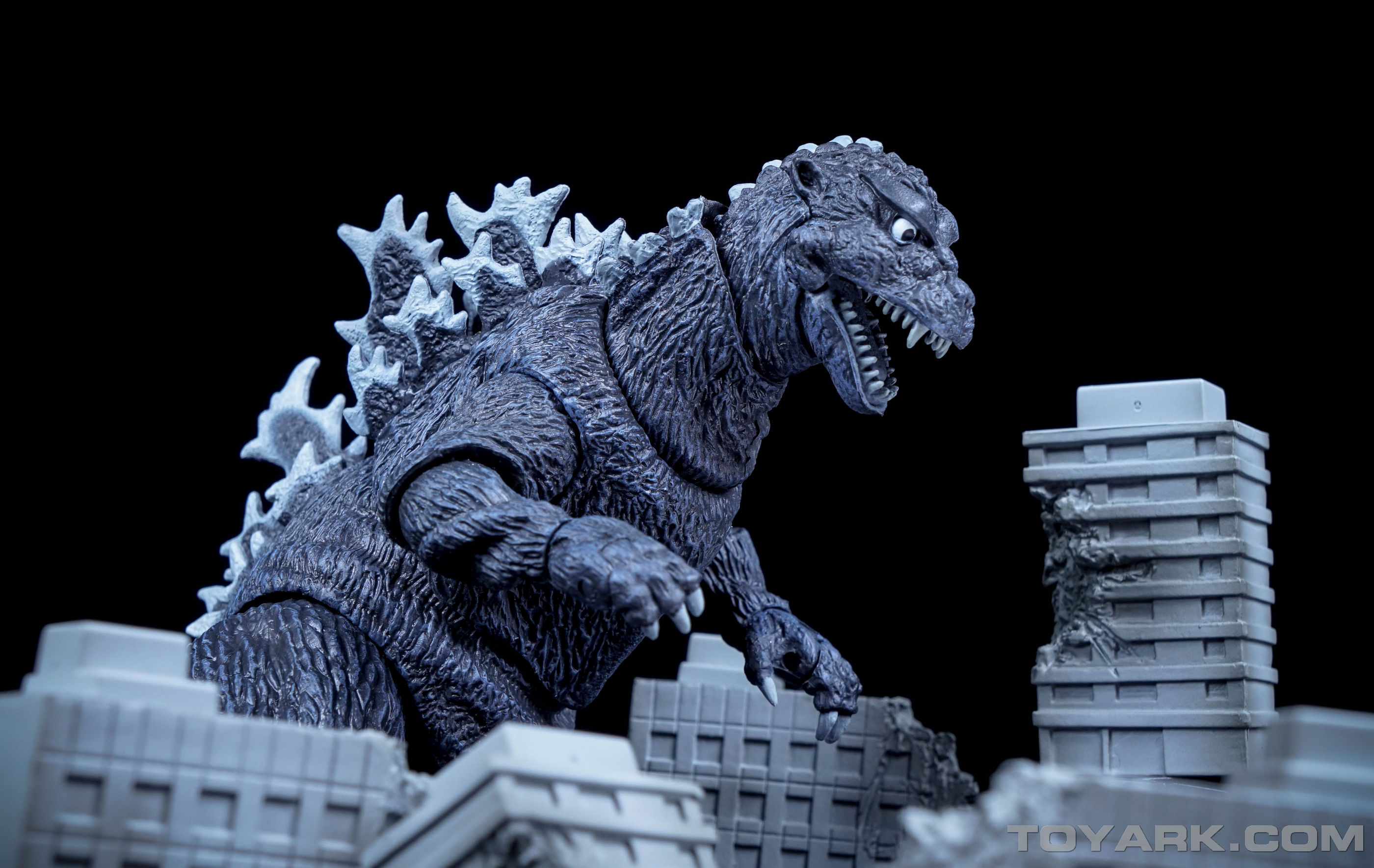 http://news.toyark.com/wp-content/uploads/sites/4/2015/09/NECA-1954-Godzilla-040.jpg