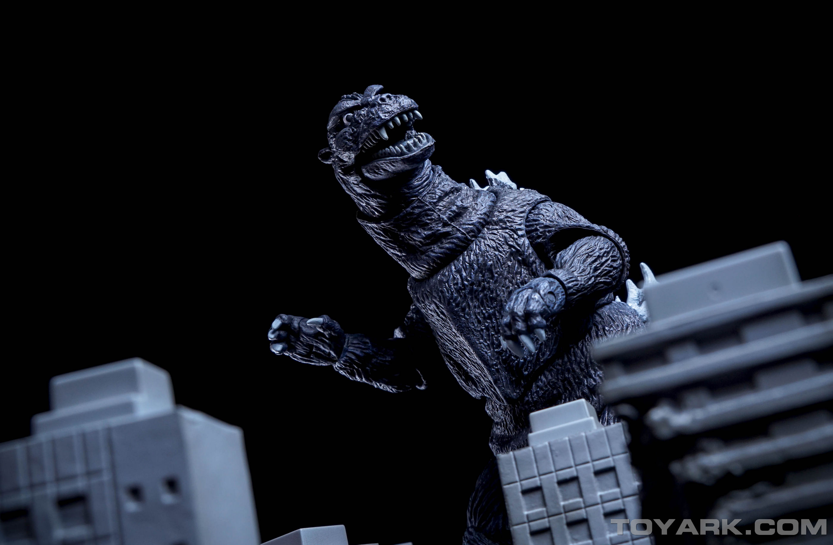http://news.toyark.com/wp-content/uploads/sites/4/2015/09/NECA-1954-Godzilla-047.jpg