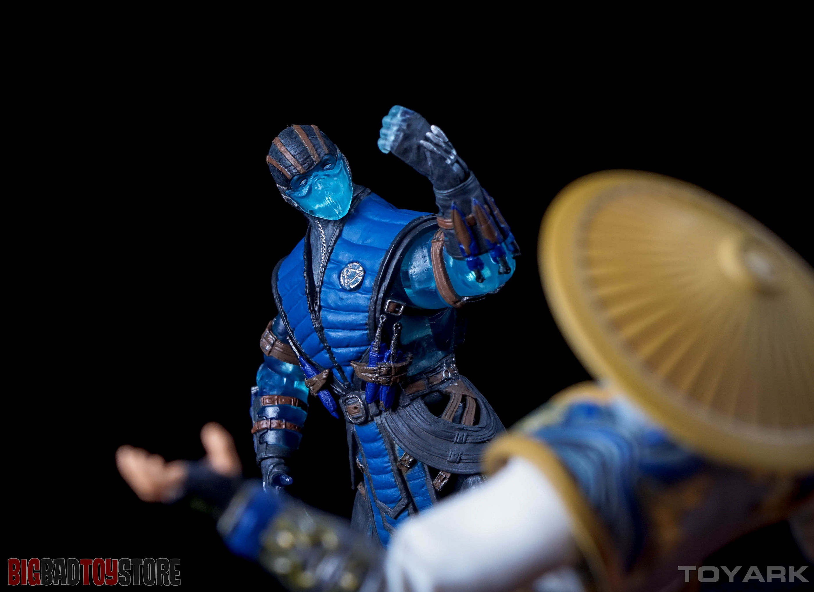 http://news.toyark.com/wp-content/uploads/sites/4/2015/10/Mezco-PX-Mortal-Kombat-X-055.jpg