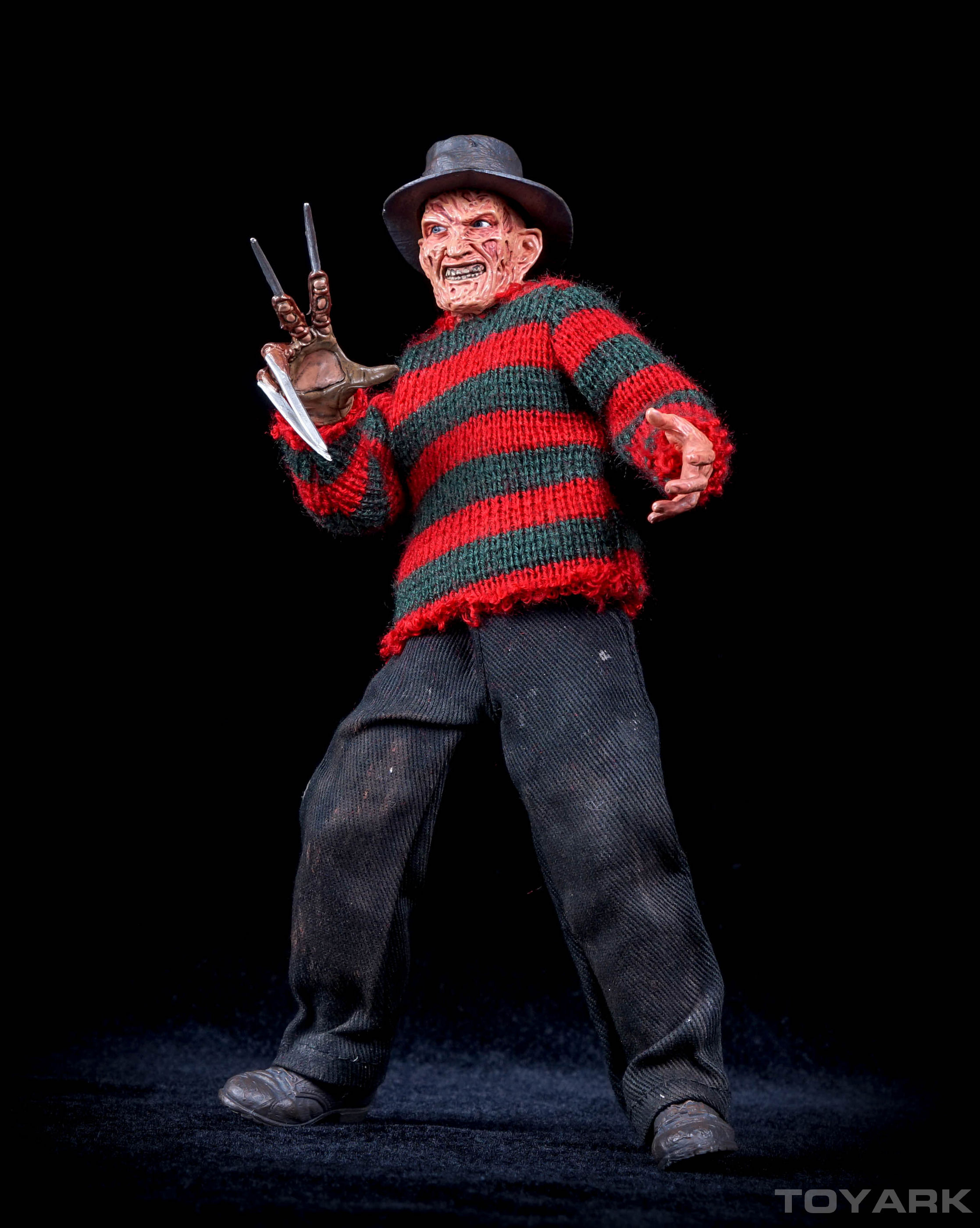 http://news.toyark.com/wp-content/uploads/sites/4/2015/10/NECA-Dream-Warriors-Retro-Freddy-020.jpg
