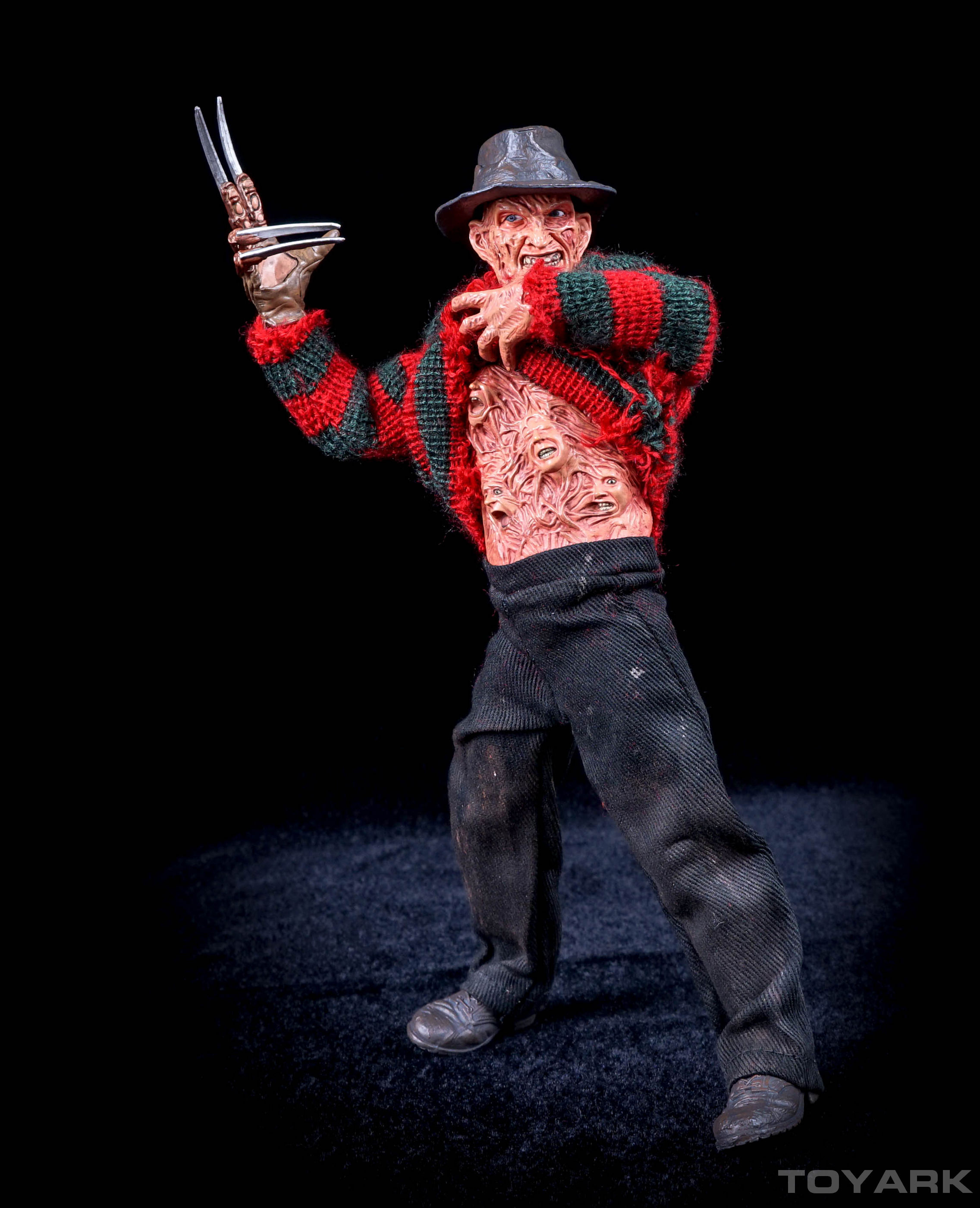 http://news.toyark.com/wp-content/uploads/sites/4/2015/10/NECA-Dream-Warriors-Retro-Freddy-035.jpg