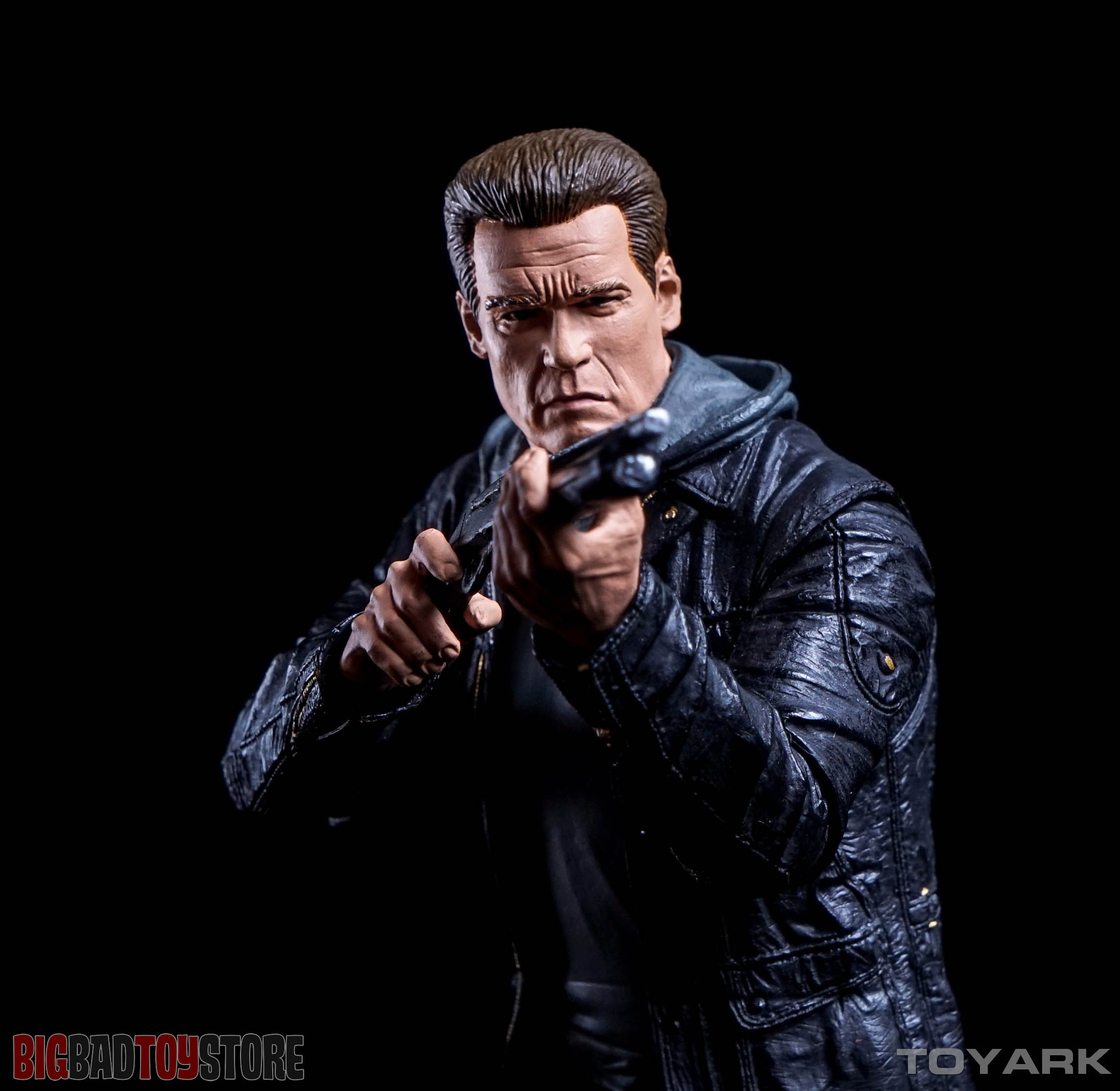 http://news.toyark.com/wp-content/uploads/sites/4/2015/10/NECA-Guardian-T800-Terminator-Genisys-029.jpg