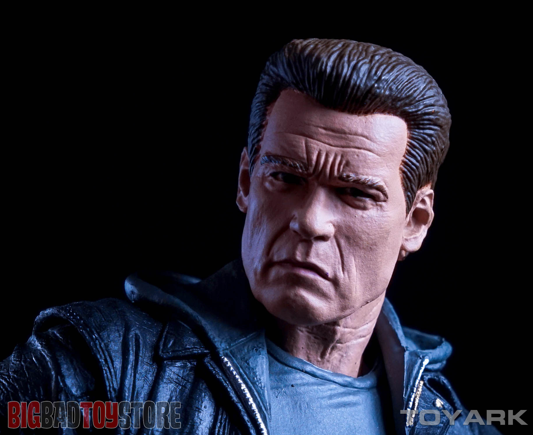 http://news.toyark.com/wp-content/uploads/sites/4/2015/10/NECA-Guardian-T800-Terminator-Genisys-031.jpg