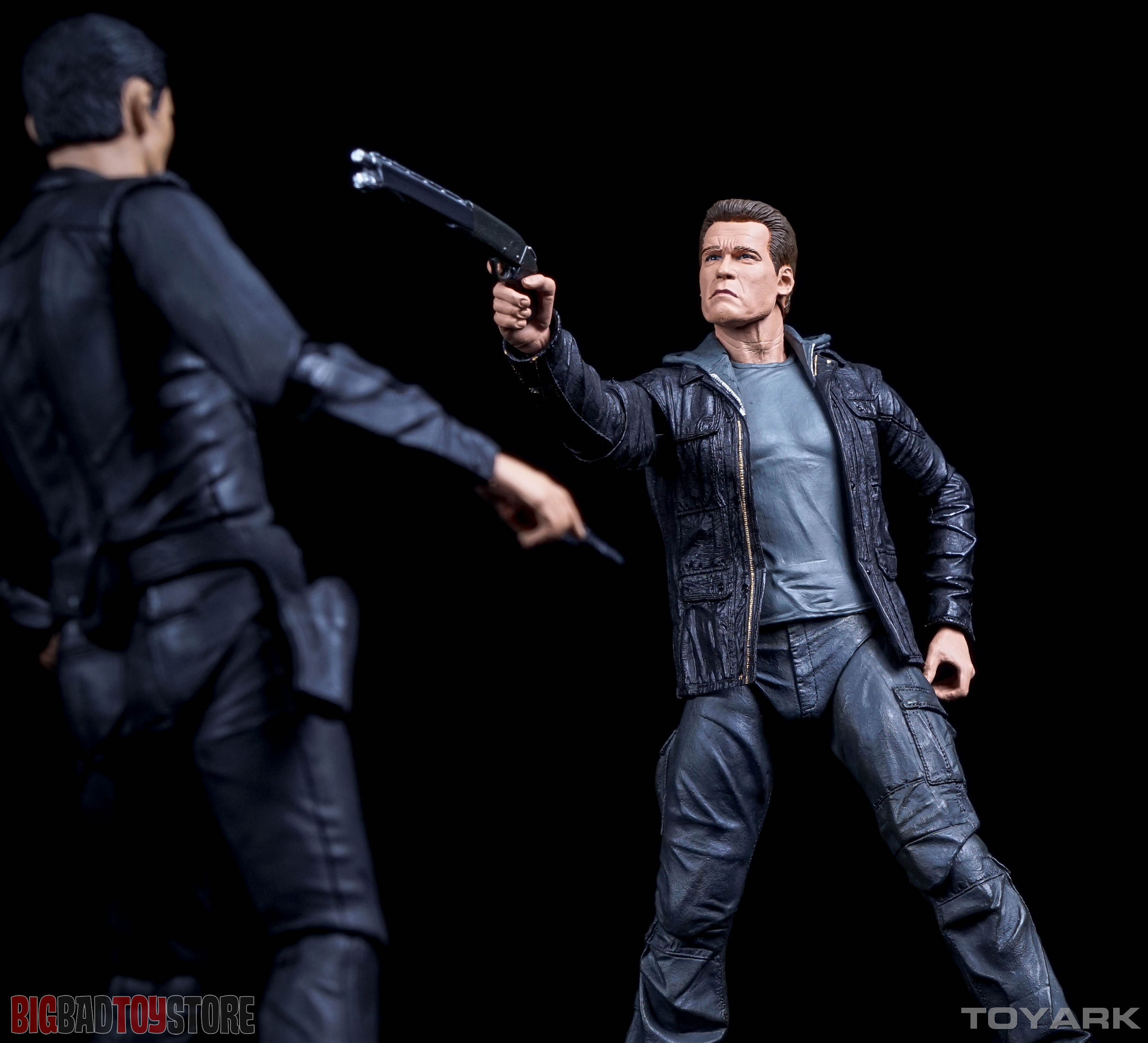 http://news.toyark.com/wp-content/uploads/sites/4/2015/10/NECA-Guardian-T800-Terminator-Genisys-039.jpg