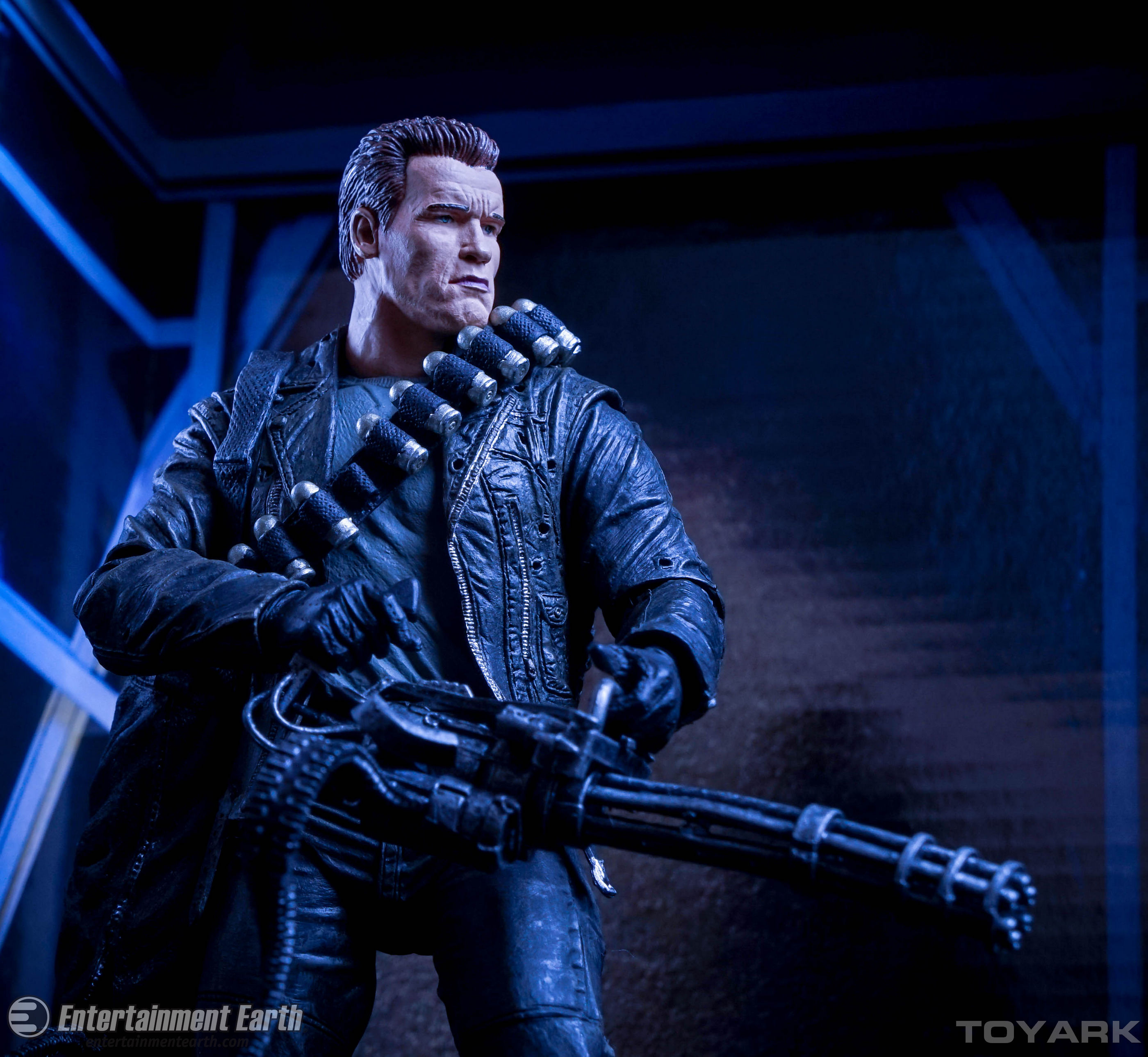 http://news.toyark.com/wp-content/uploads/sites/4/2015/10/NECA-T2-T800-Ultimate-068.jpg