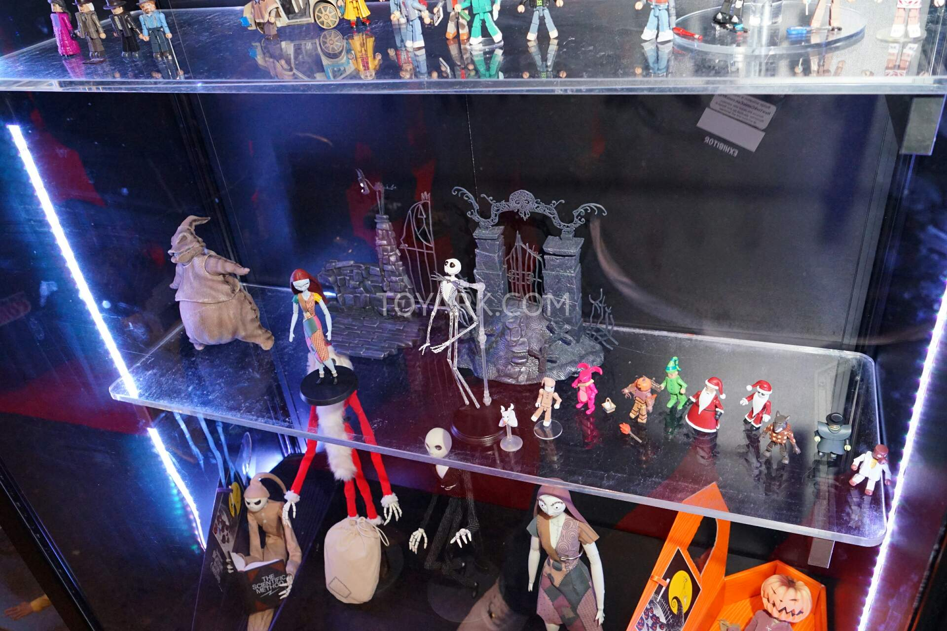 NYCC 2015 - Diamond Select Toys Nightmare Before Xmas and Video ...