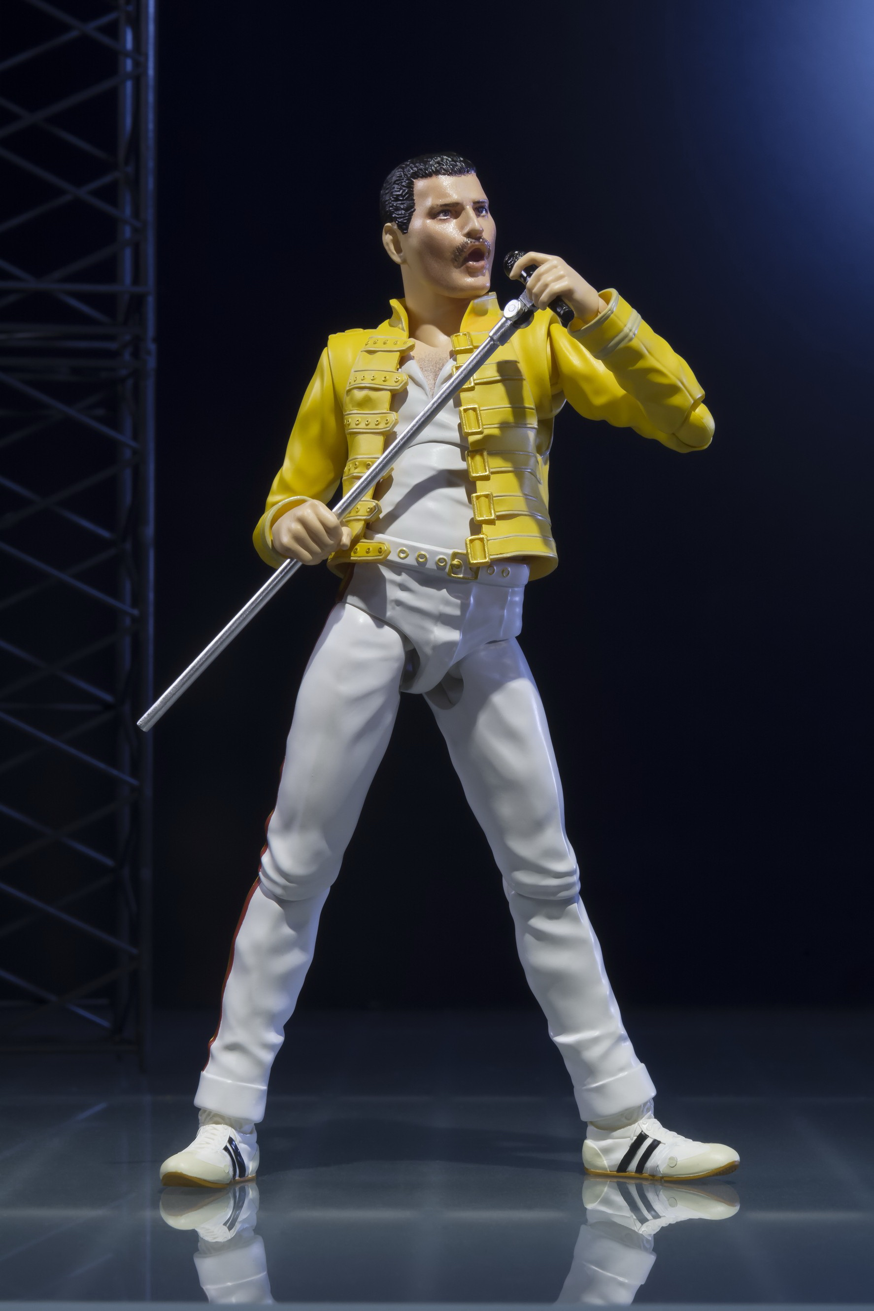 Queen's Freddie Mercury SH Figuarts - The Toyark - News