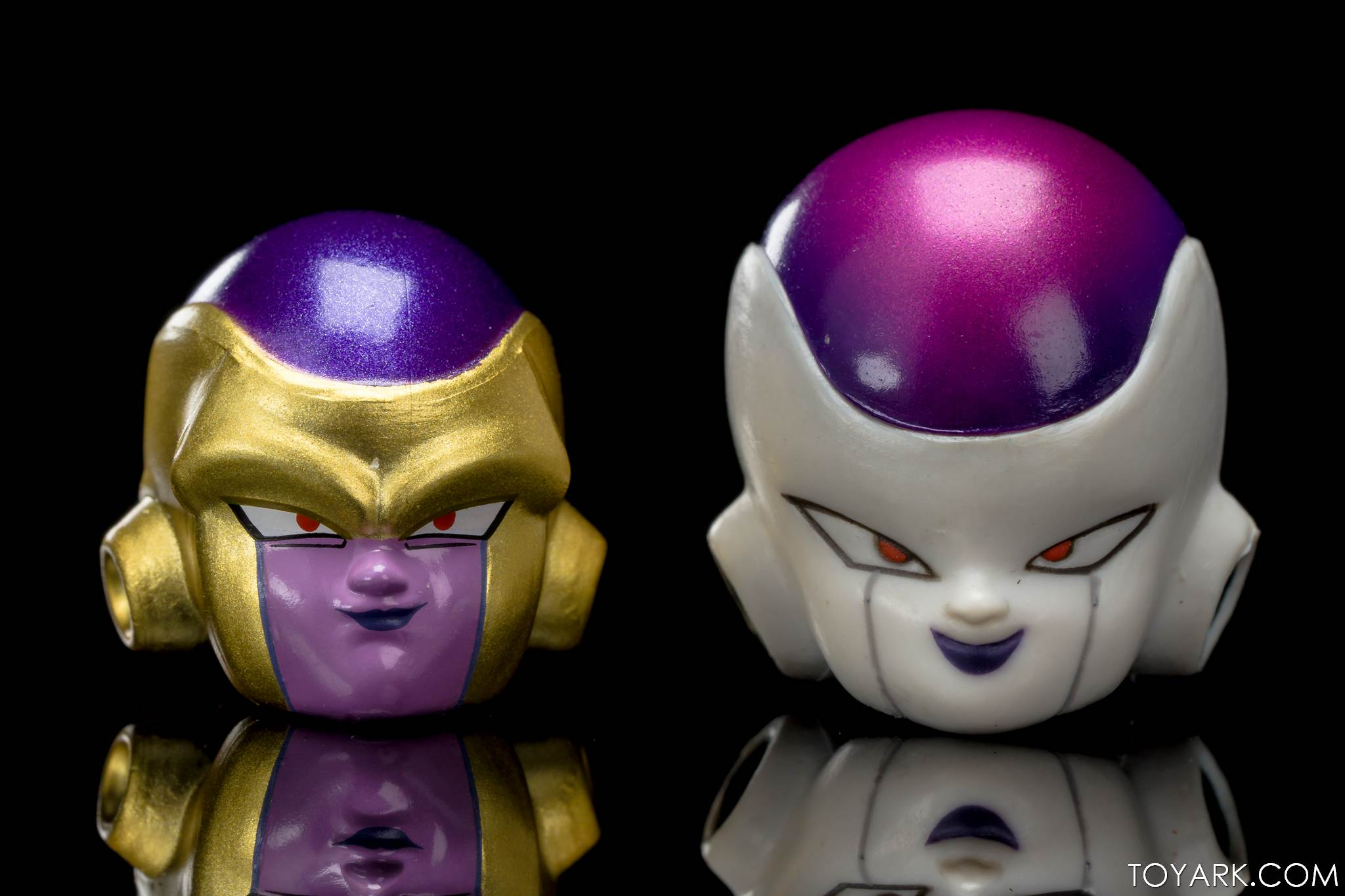 SHF Golden Frieza 37