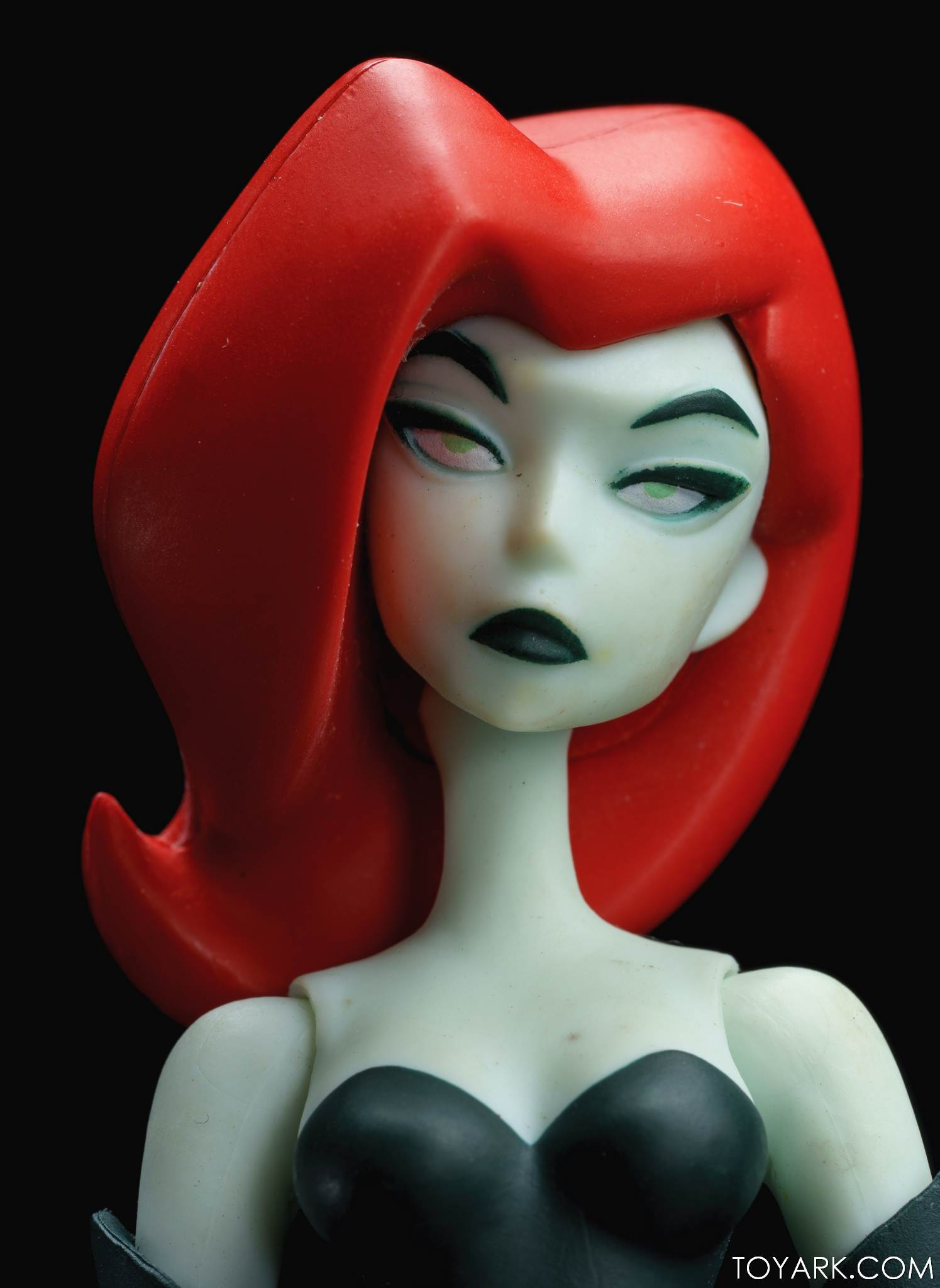 DCC Animated Poison Ivy 09