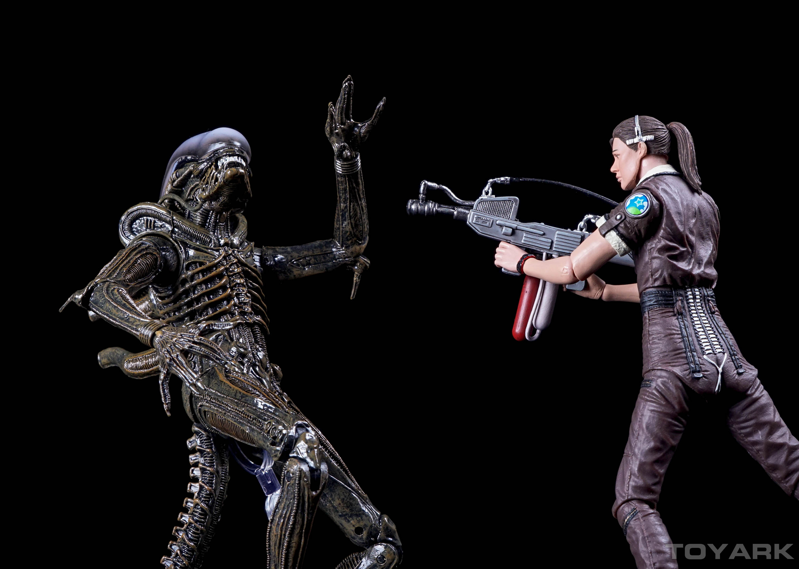 http://news.toyark.com/wp-content/uploads/sites/4/2015/12/NECA-Alien-Isolation-060.jpg