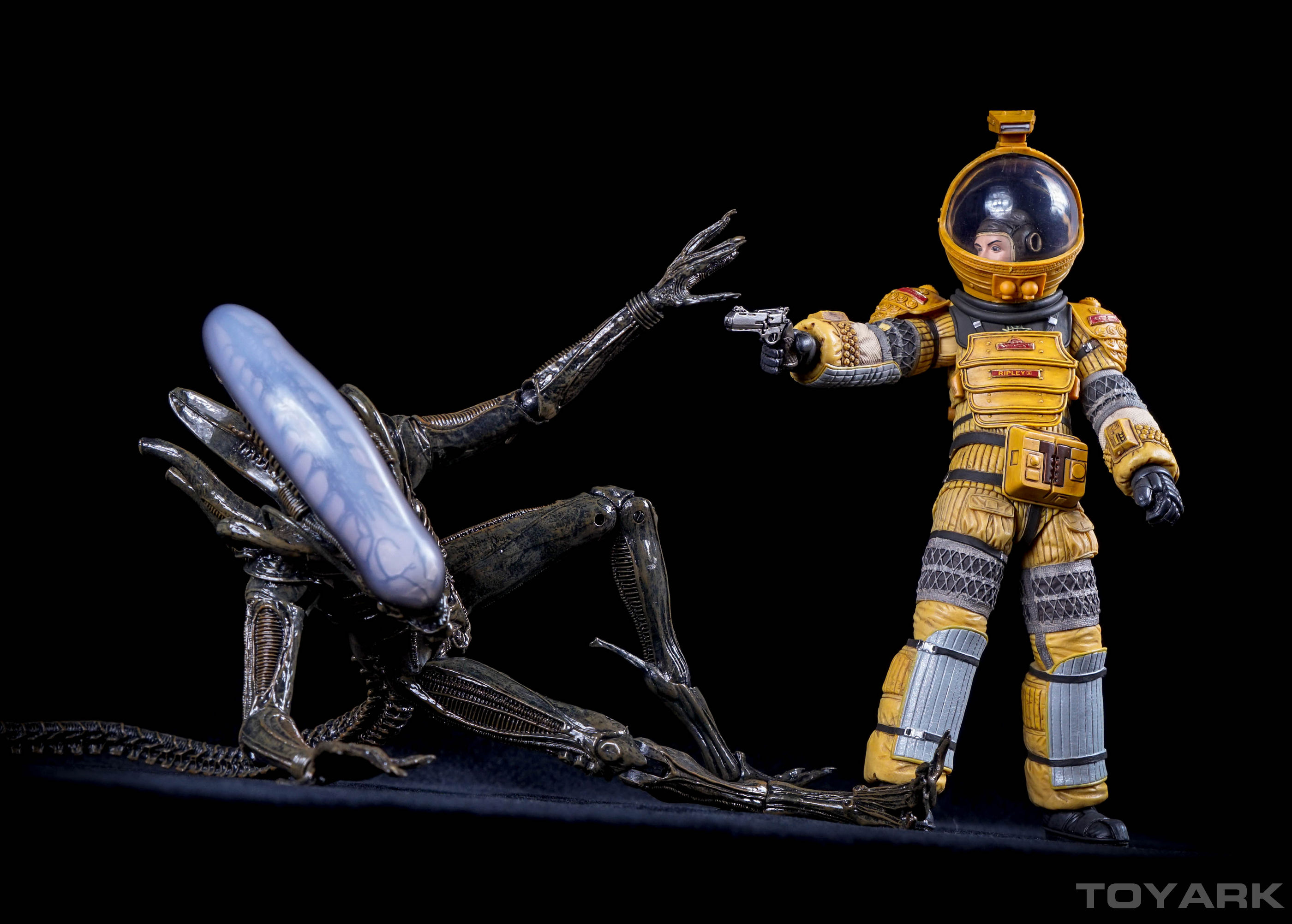 http://news.toyark.com/wp-content/uploads/sites/4/2015/12/NECA-Alien-Isolation-075.jpg