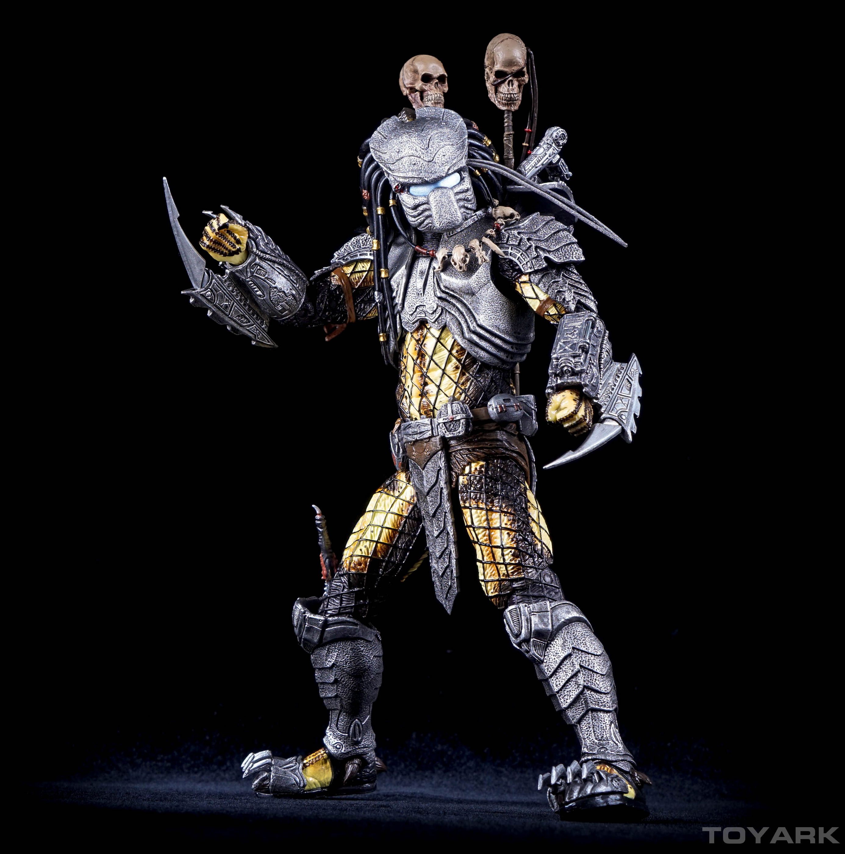 http://news.toyark.com/wp-content/uploads/sites/4/2015/12/NECA-AvP-Chopper-Predator-011.jpg