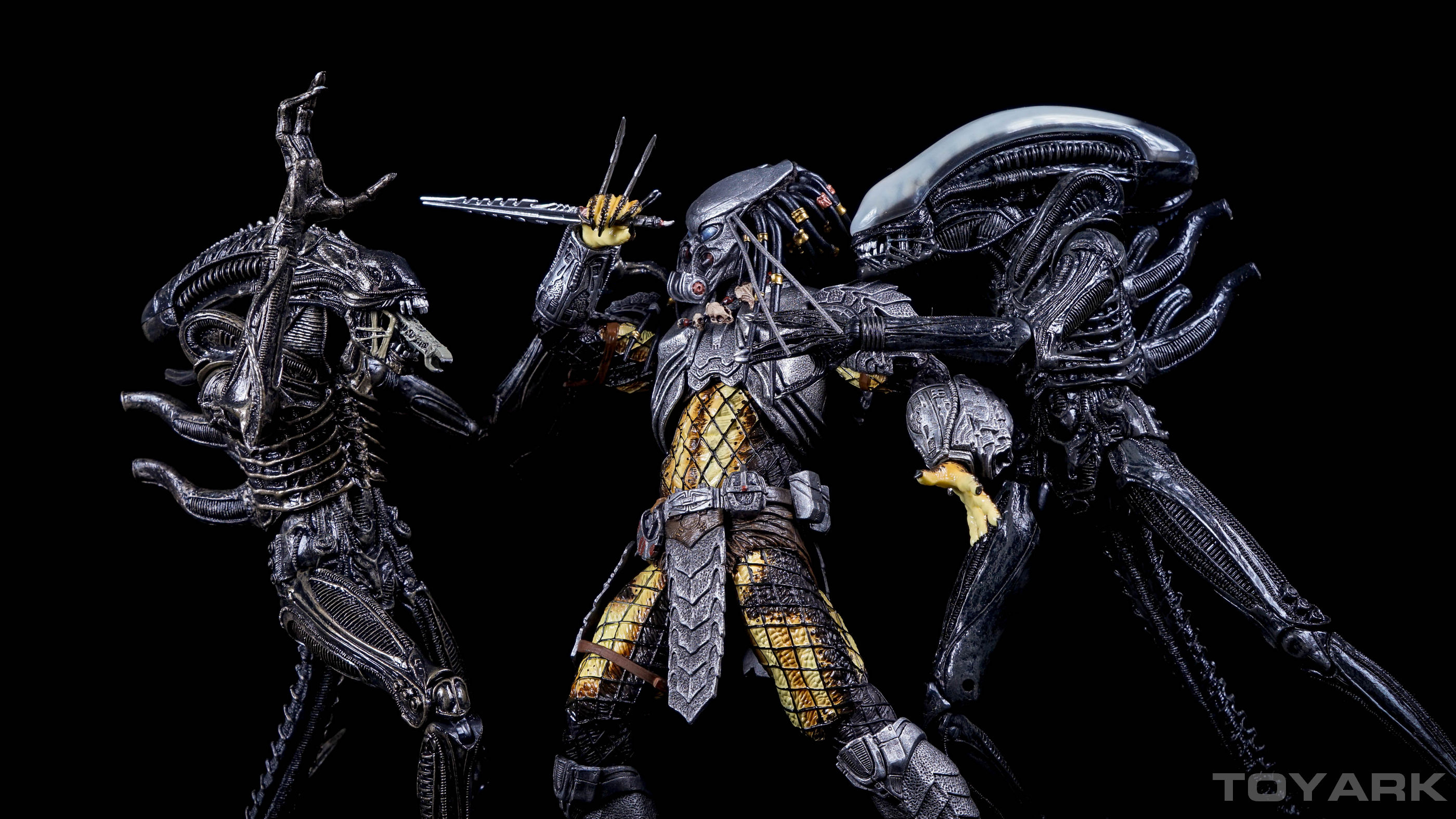 http://news.toyark.com/wp-content/uploads/sites/4/2015/12/NECA-AvP-Series-14-Predators-008.jpg