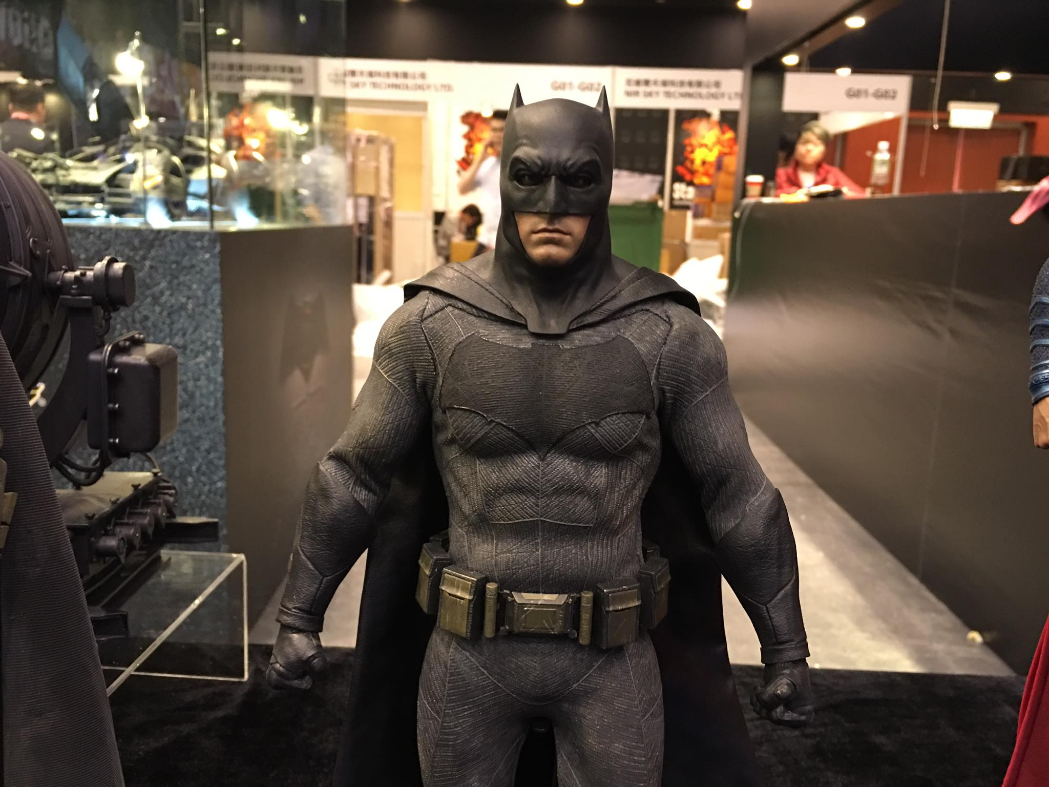 TS15-Hot-Toys-Batman-v-Superman-002.jpg