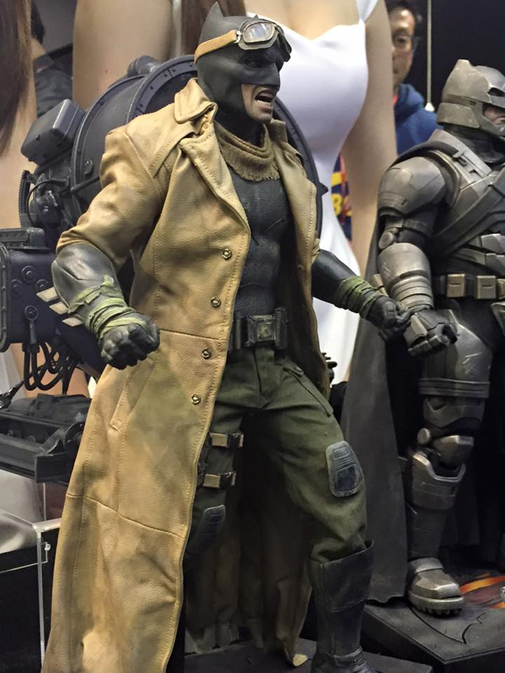 TS15-Hot-Toys-Batman-v-Superman-008.jpg
