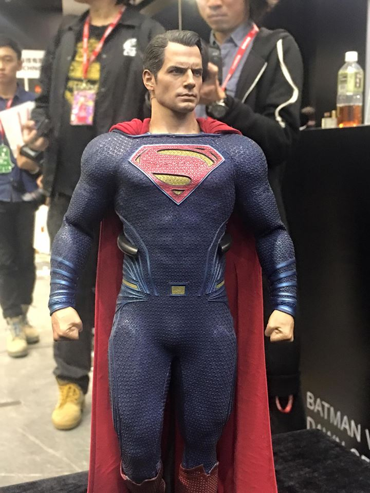 TS15-Hot-Toys-Batman-v-Superman-019.jpg