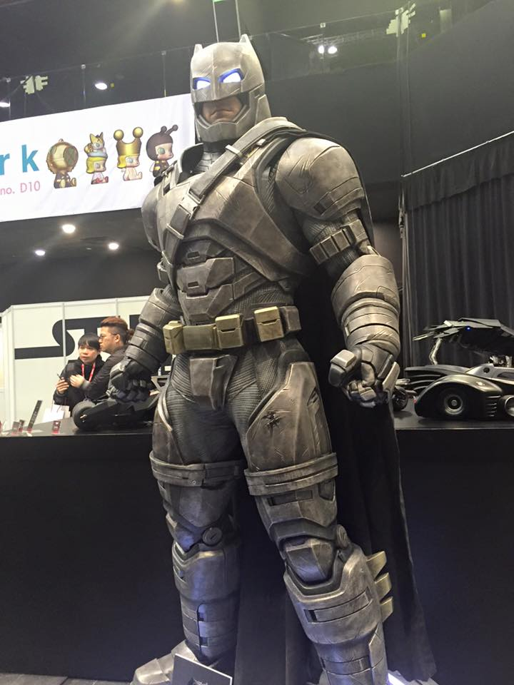 TS15-Hot-Toys-Batman-v-Superman-027.jpg