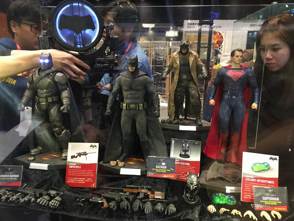 TS15-Hot-Toys-Batman-v-Superman-028.jpg