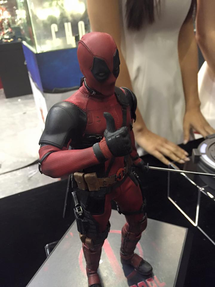 TS15-Hot-Toys-Deadpool-001.jpg