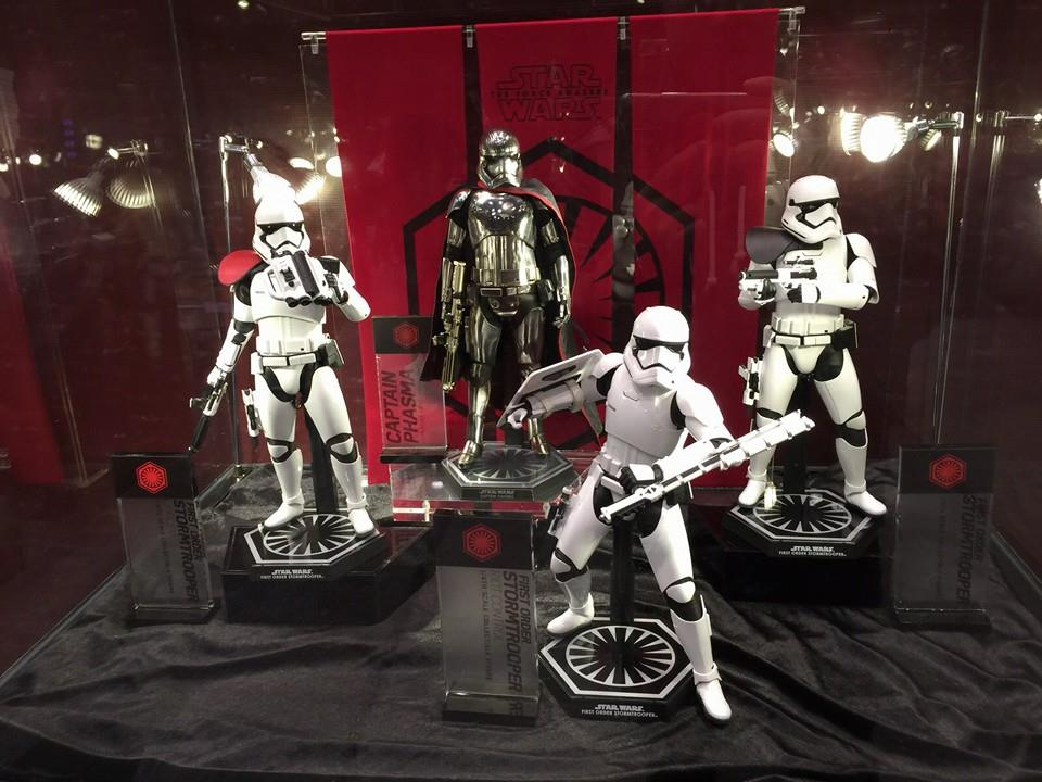 TS15-Hot-Toys-Star-Wars-005.jpg