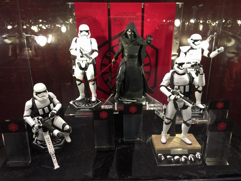 TS15-Hot-Toys-Star-Wars-006.jpg