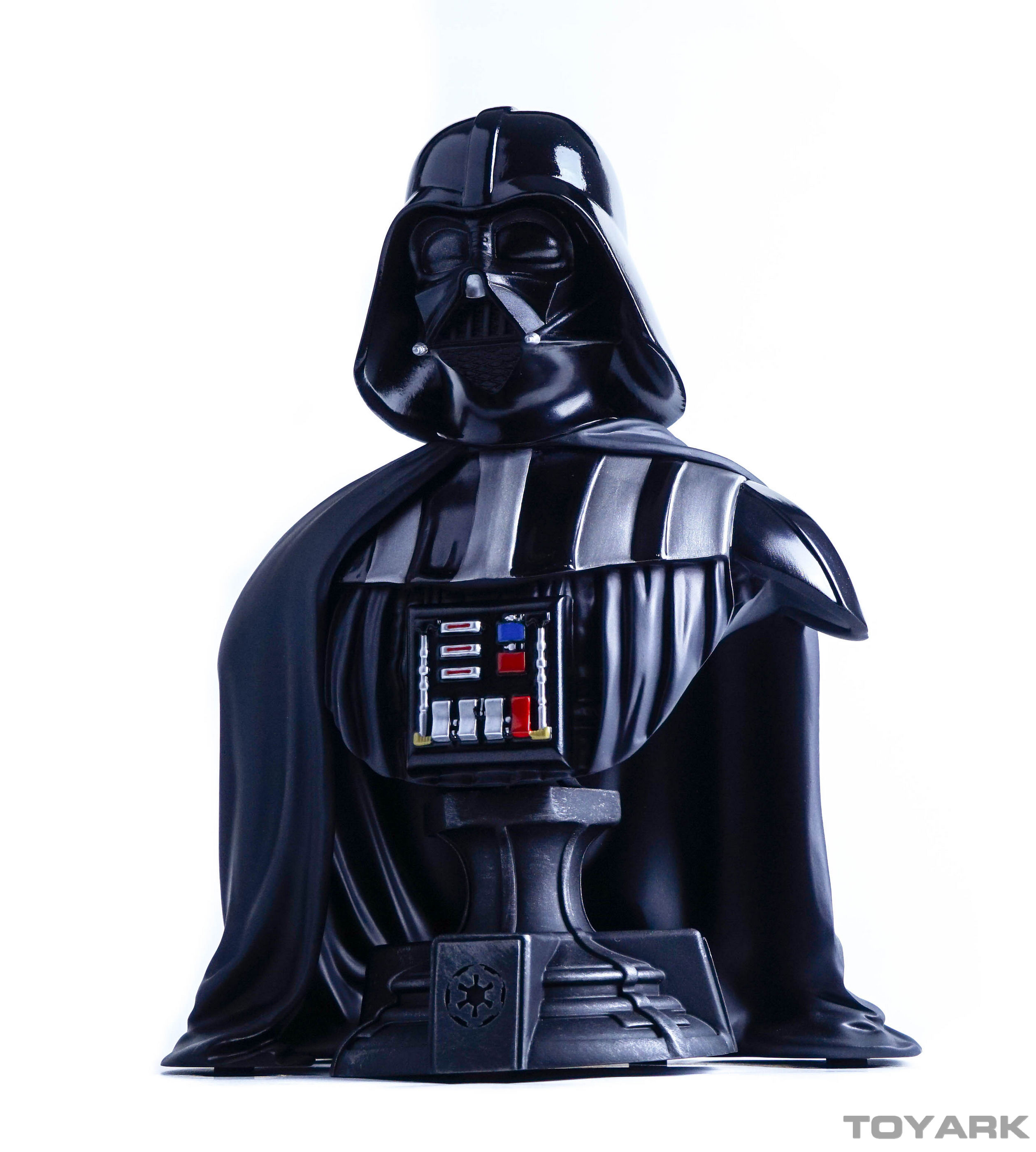 http://news.toyark.com/wp-content/uploads/sites/4/2015/12/Vader-Bust-027.jpg
