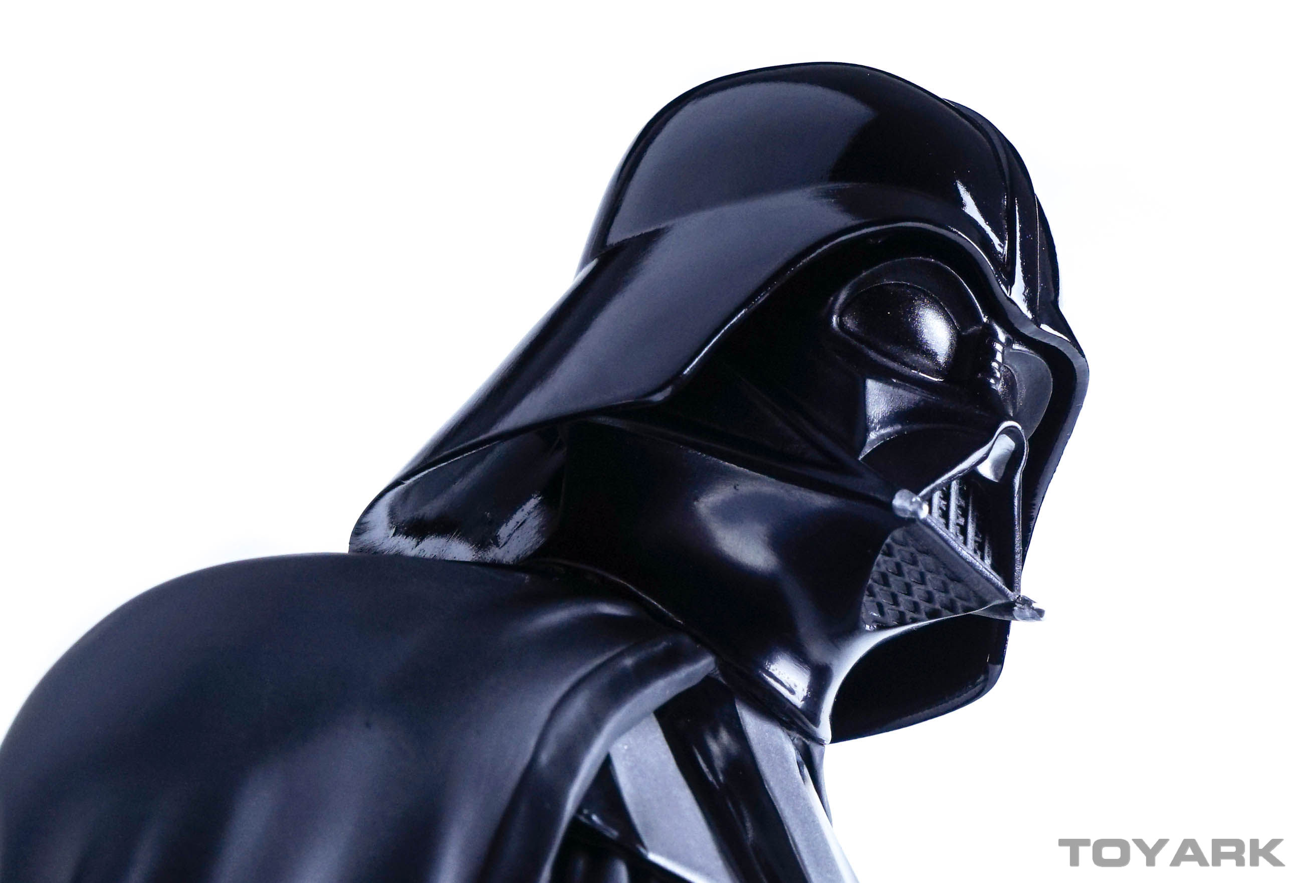 http://news.toyark.com/wp-content/uploads/sites/4/2015/12/Vader-Bust-028.jpg