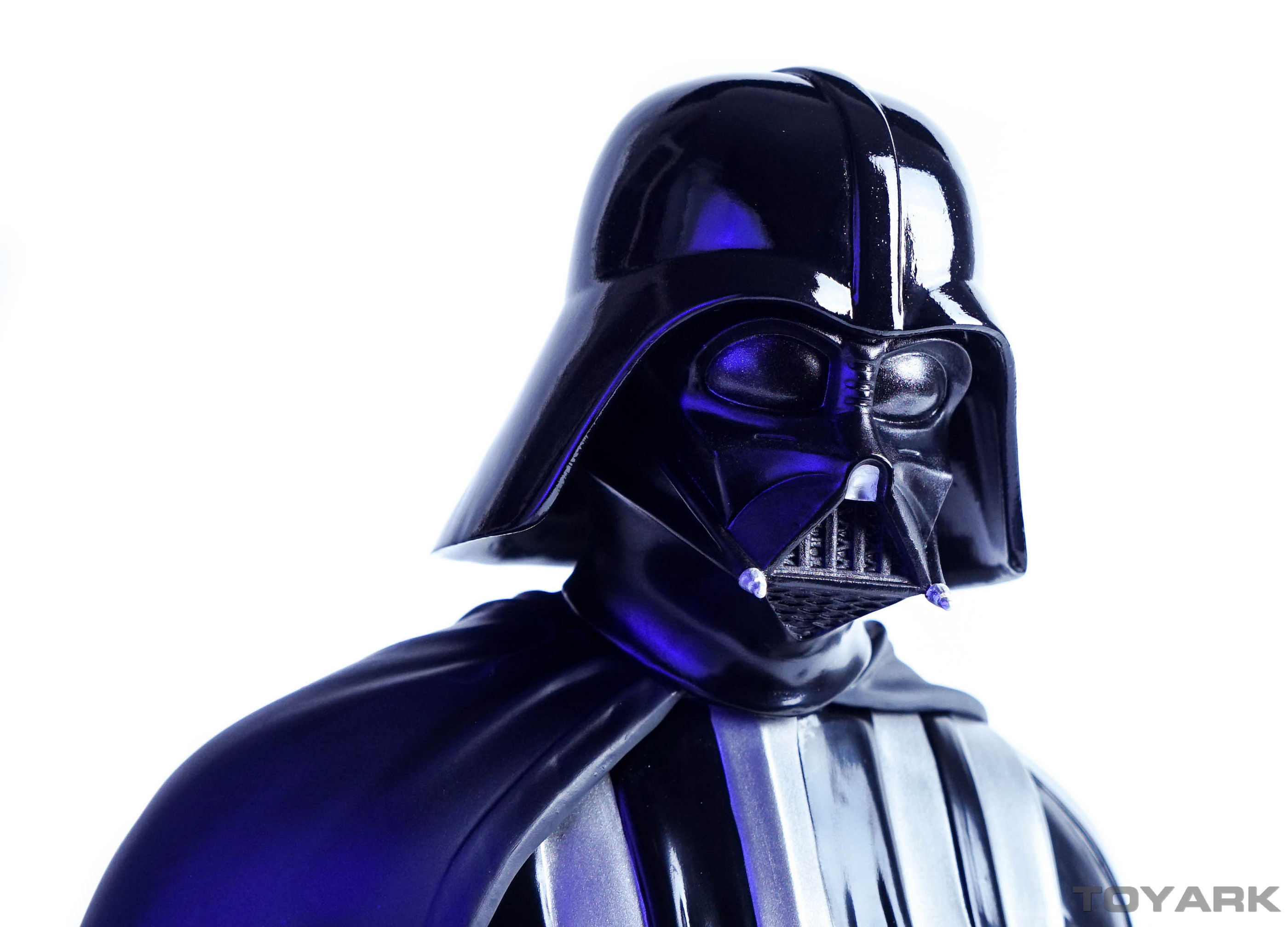 http://news.toyark.com/wp-content/uploads/sites/4/2015/12/Vader-Bust-030.jpg