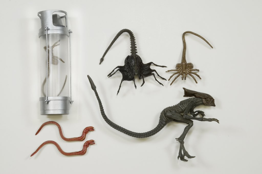Neca Aliens Creature Pack Packaging Preview The Toyark