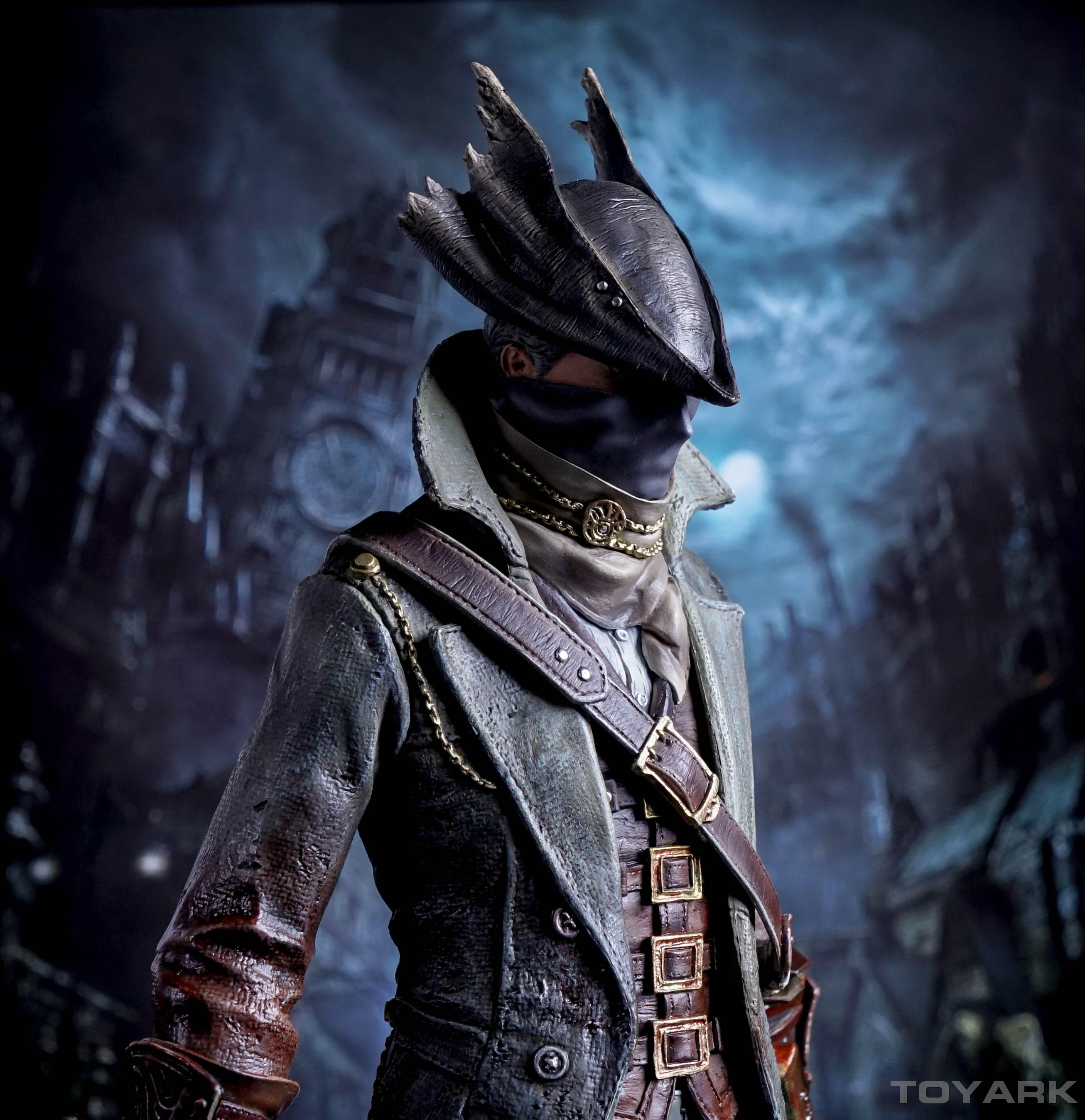 http://news.toyark.com/wp-content/uploads/sites/4/2016/02/Bloodborne-Hunter-PoB-Statue-049.jpg
