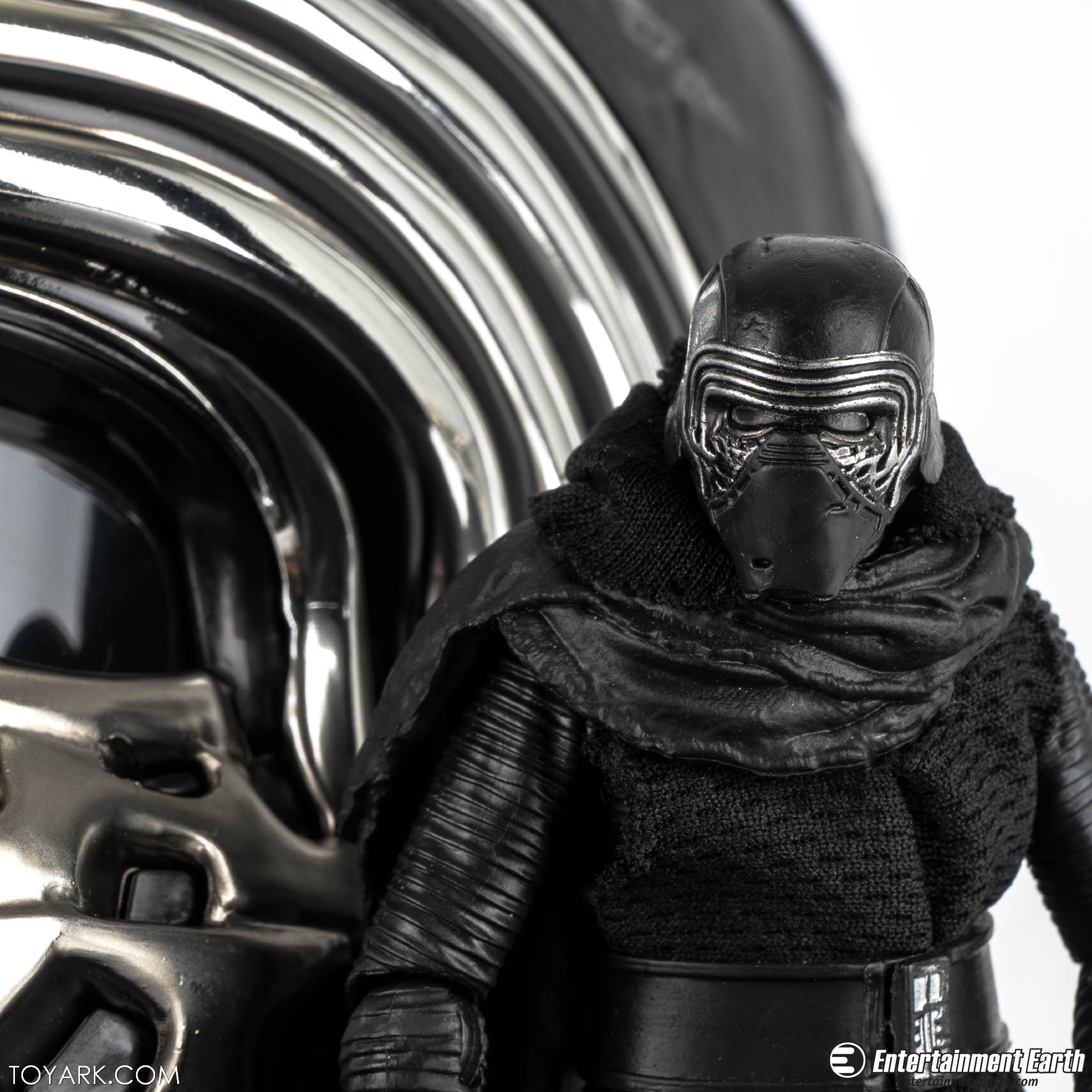 we got helmets too kylo ren black series voice changer helmet the toyark news. Black Bedroom Furniture Sets. Home Design Ideas