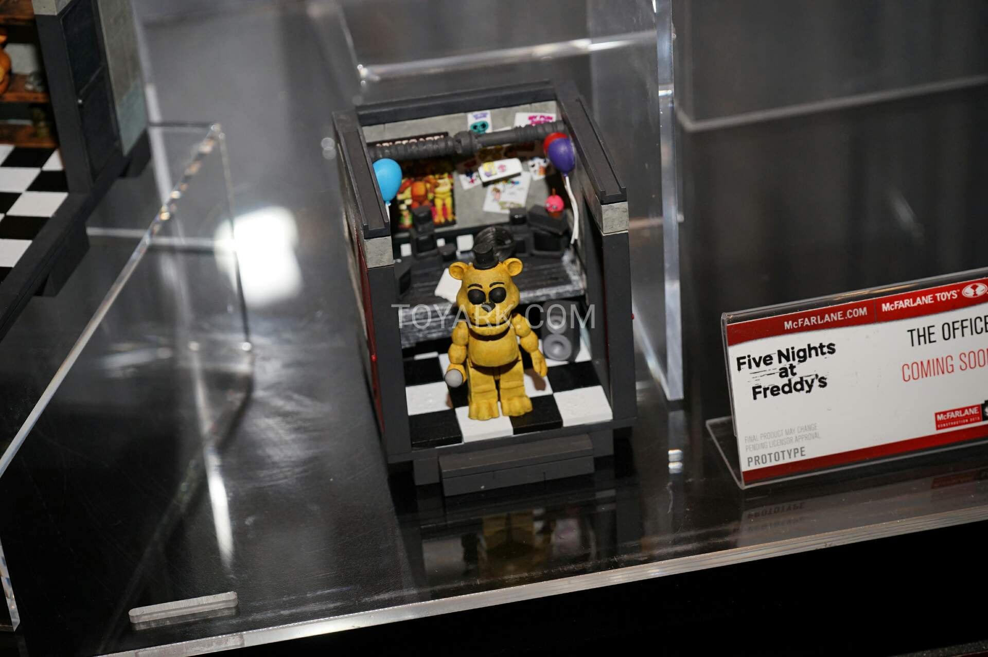 More five nights at freddy s construction sets coming soon - Tf 2016 Mcfarlane Five Nights Construction 002