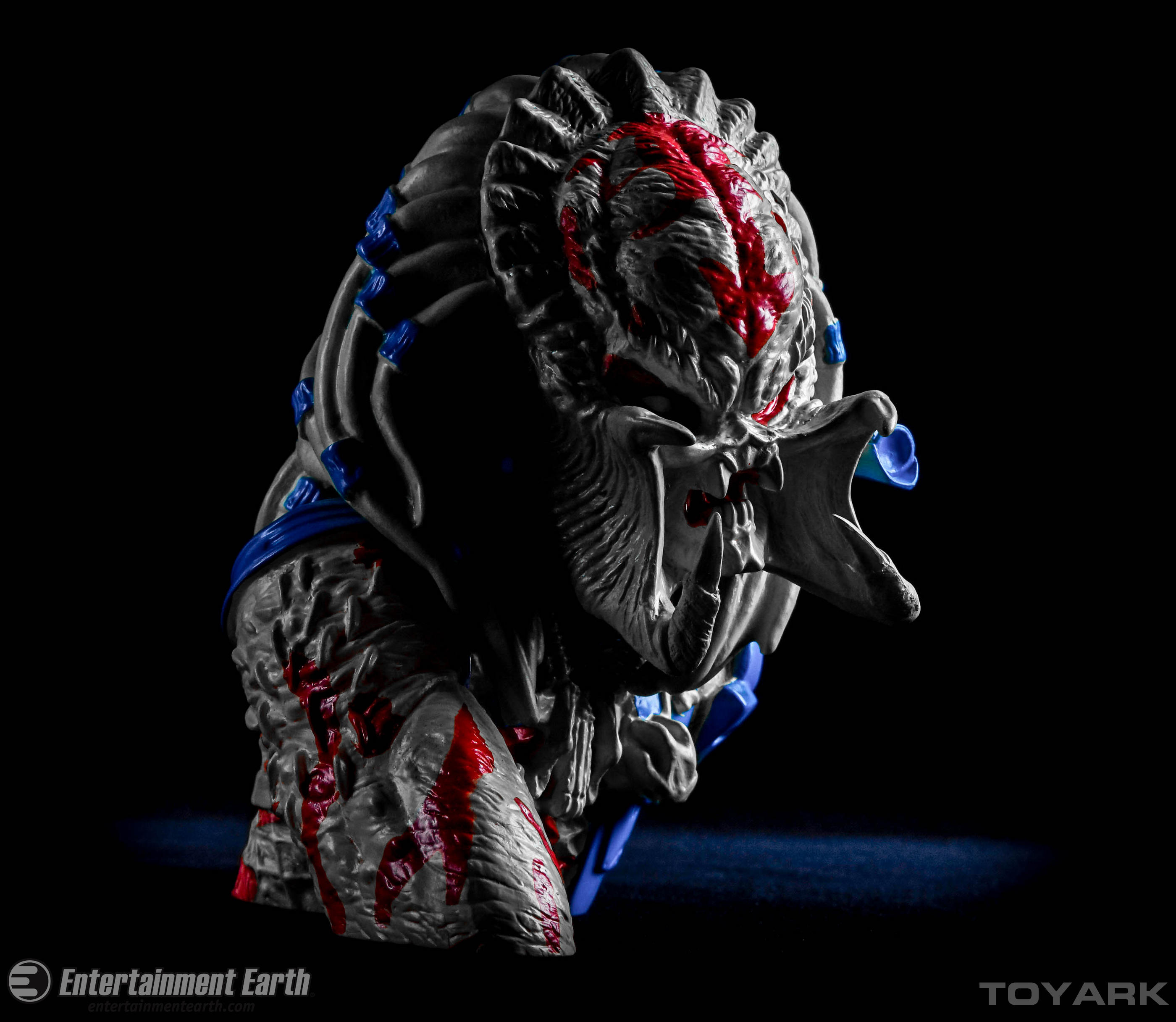 Entertainment Earth Exclusive Thermal Predator Bust Bank ...