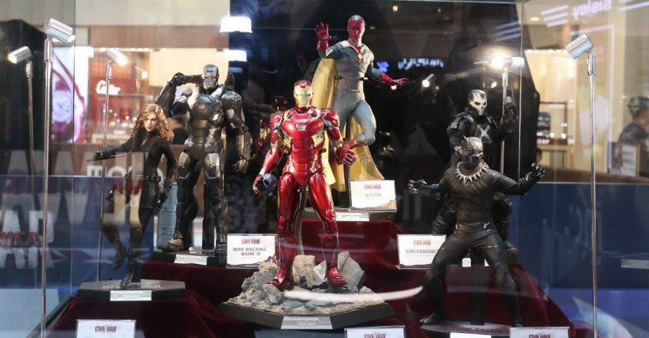 Hot Toys Civil War Pop Up Store 012