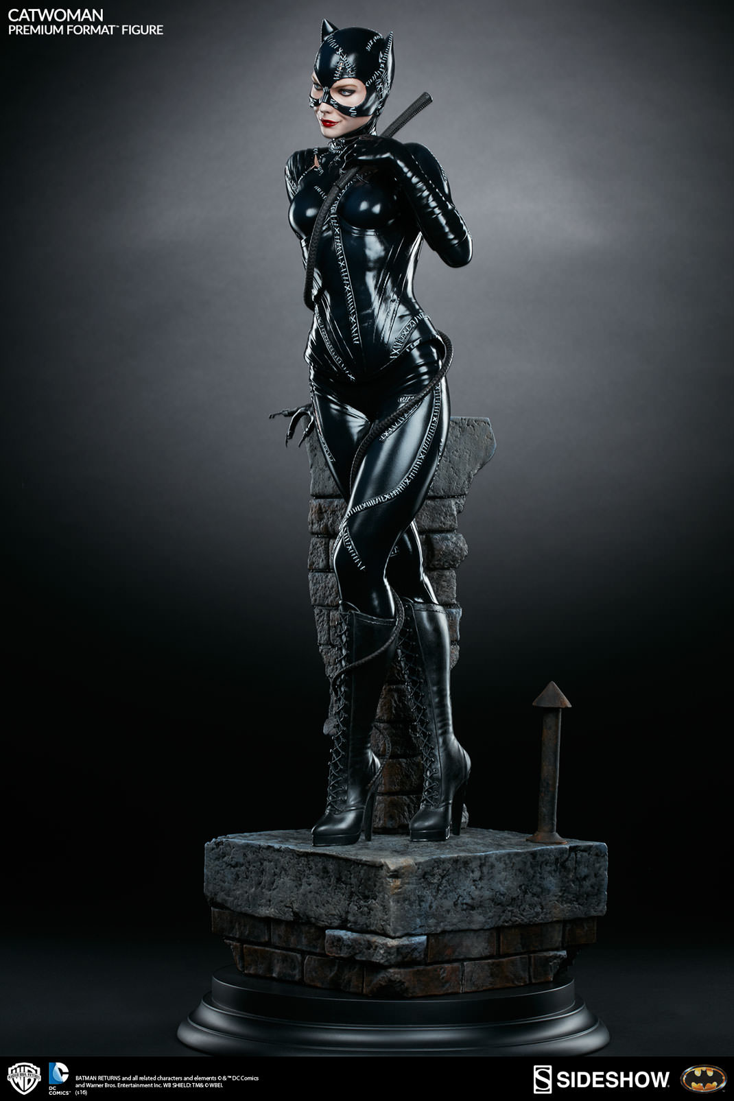 sideshow catwoman statue photos and info the toyark news
