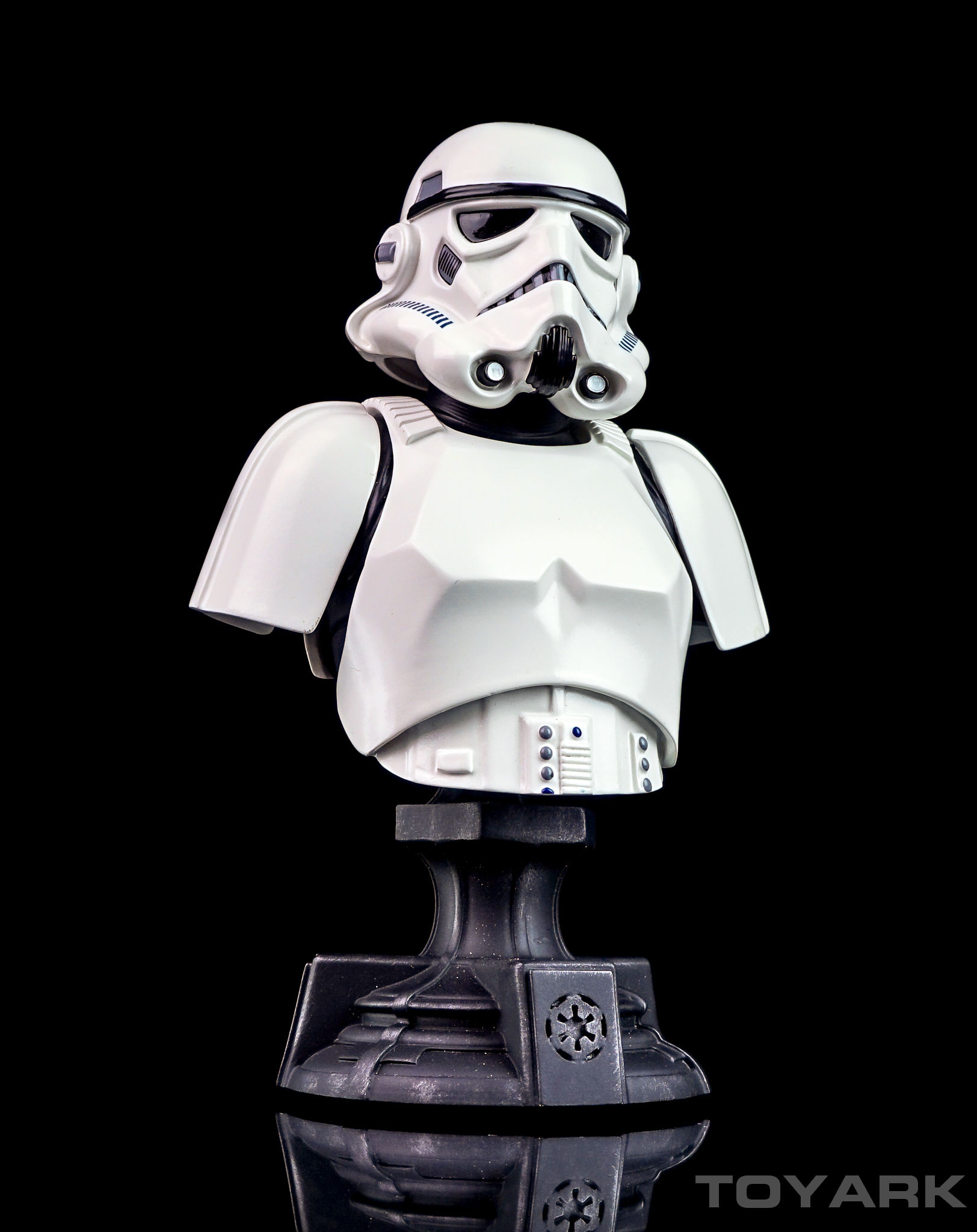 http://news.toyark.com/wp-content/uploads/sites/4/2016/04/Star-Wars-Stormtrooper-GS-Bust-027.jpg