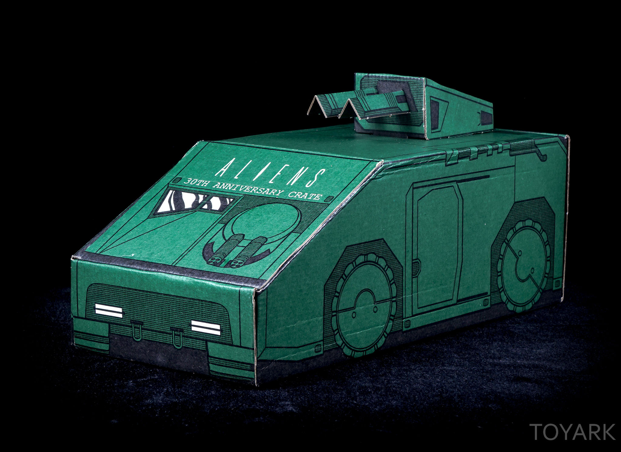 http://news.toyark.com/wp-content/uploads/sites/4/2016/05/Aliens-30th-Anniversary-Lootcrate-010.jpg