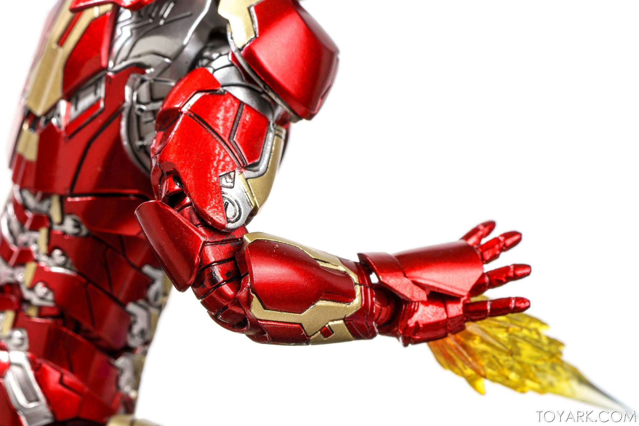 Comicave Studios Iron Man Mk 43 1/12 Scale In-Hand Gallery ...