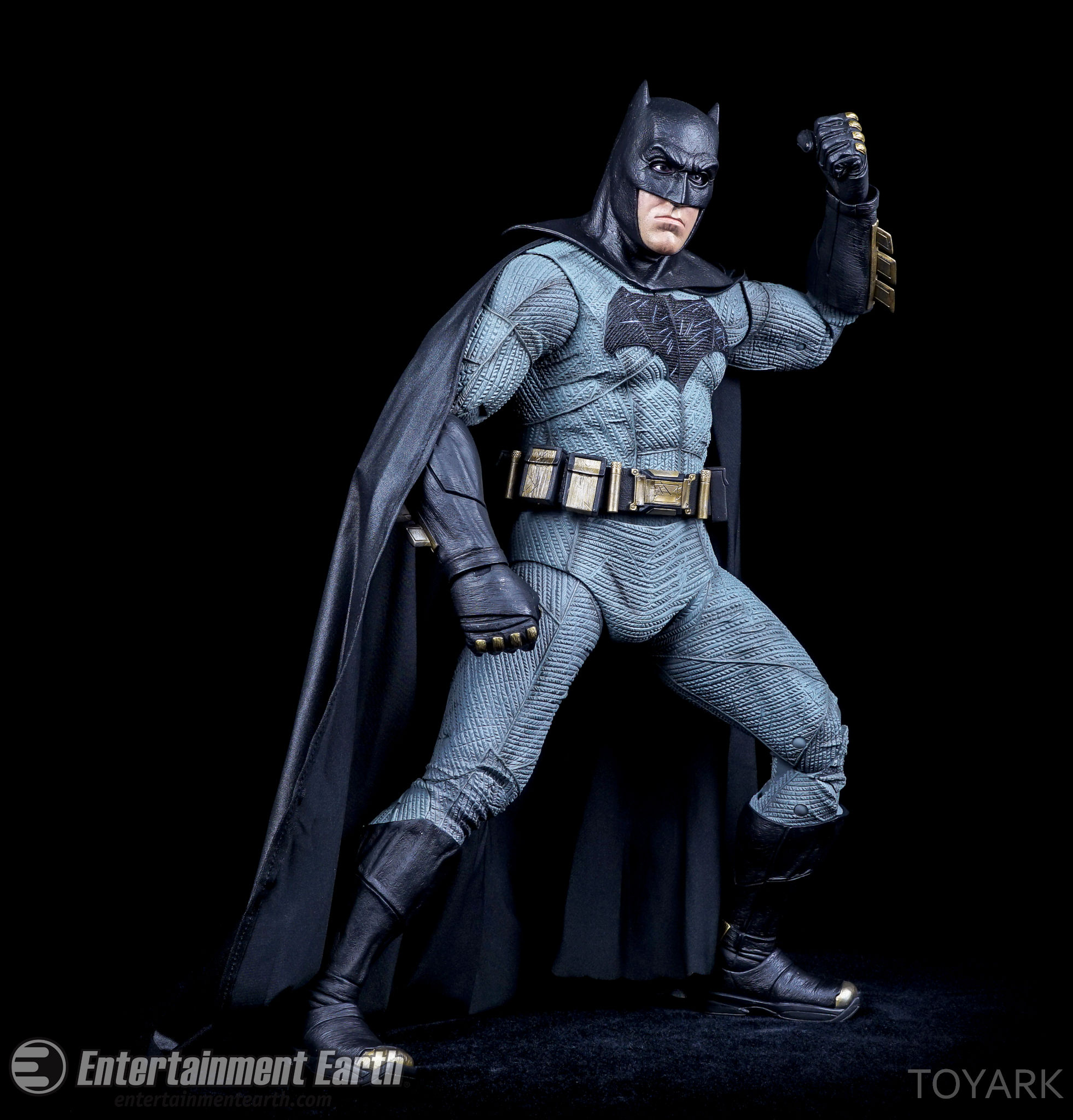 http://news.toyark.com/wp-content/uploads/sites/4/2016/06/NECA-BvS-Quarter-Scale-Batman-027.jpg