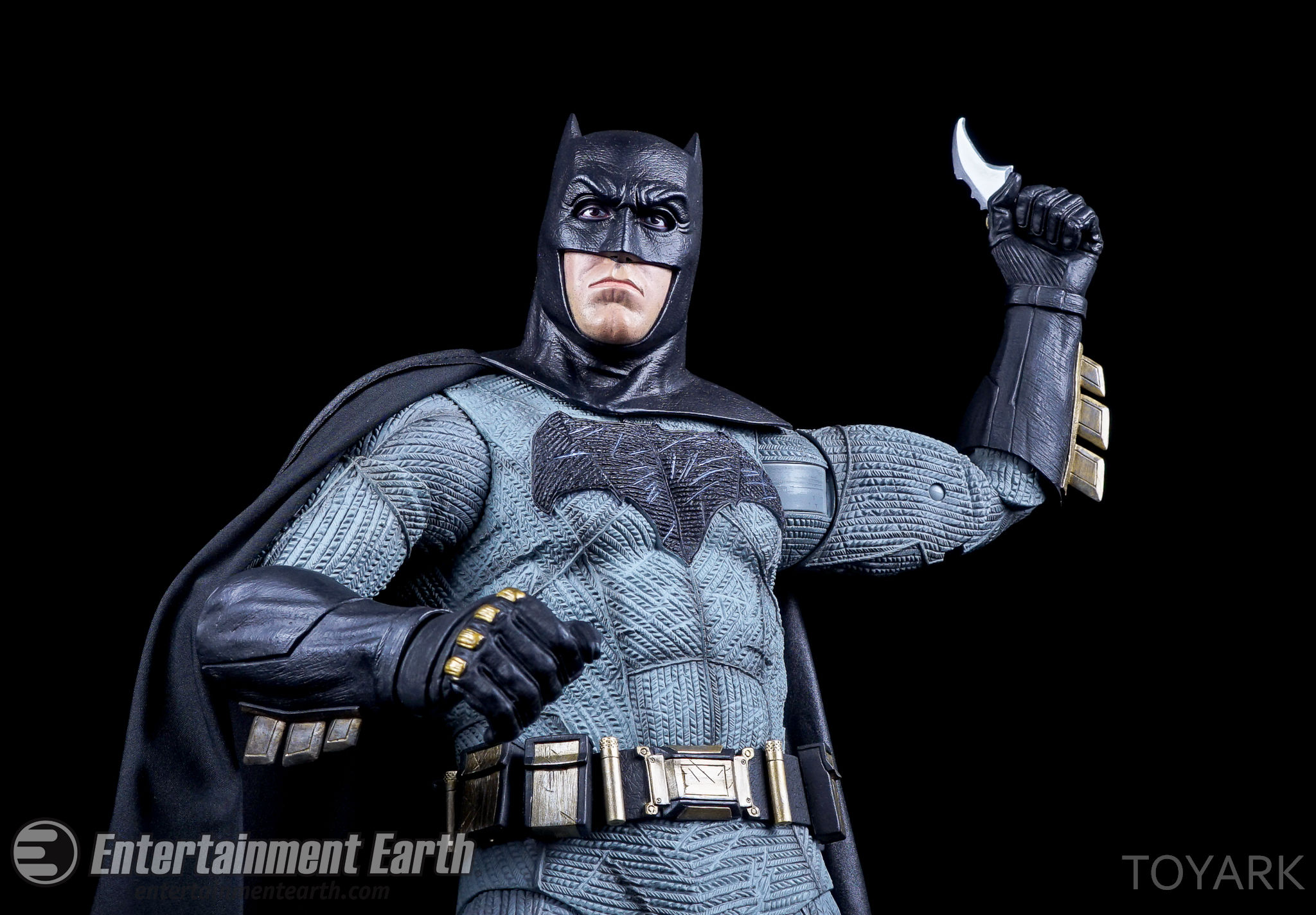 http://news.toyark.com/wp-content/uploads/sites/4/2016/06/NECA-BvS-Quarter-Scale-Batman-038.jpg