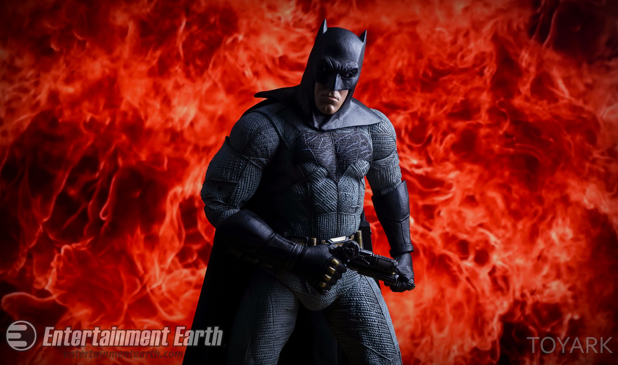 http://news.toyark.com/wp-content/uploads/sites/4/2016/06/NECA-BvS-Quarter-Scale-Batman-056.jpg