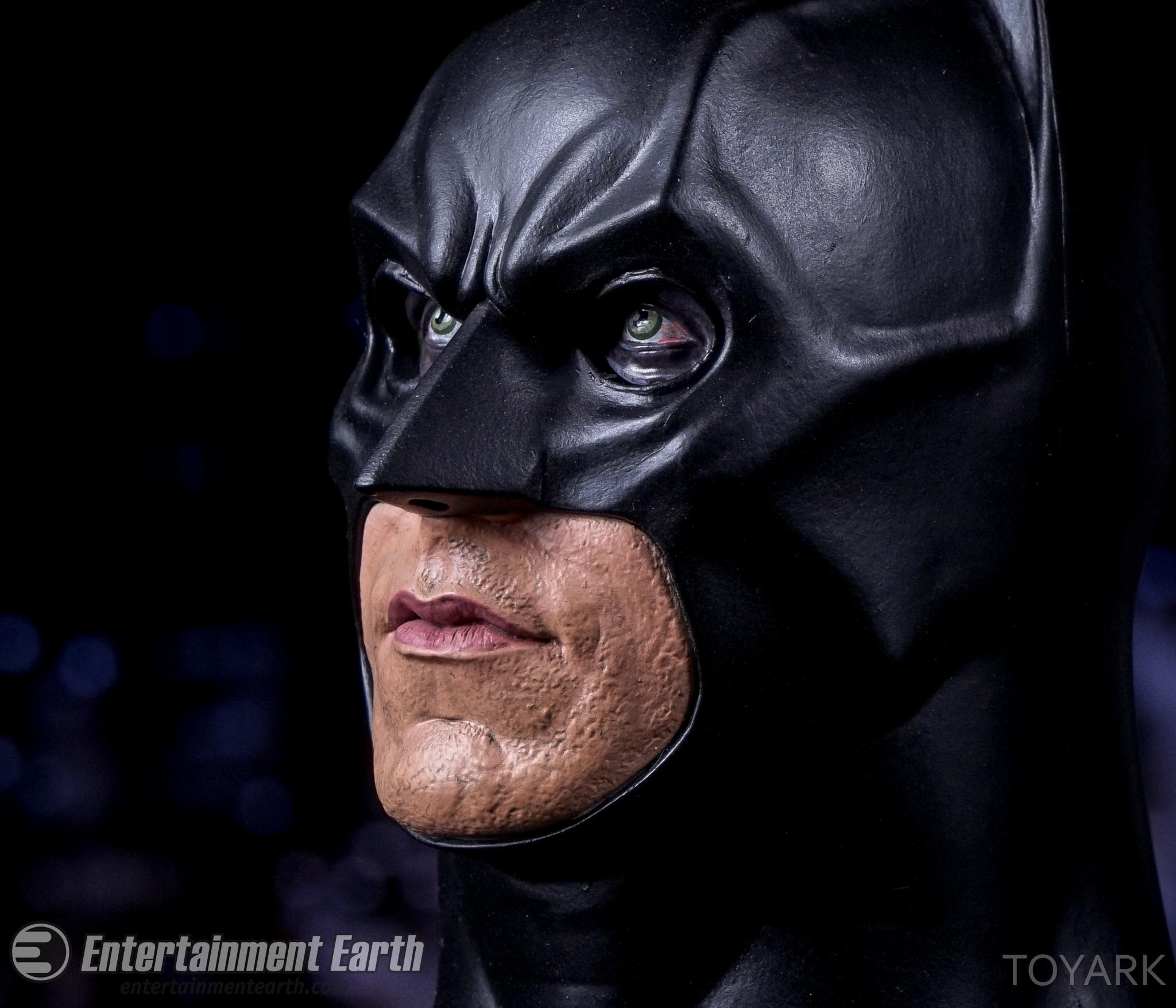 http://news.toyark.com/wp-content/uploads/sites/4/2016/07/NECA-Batman-Begins-059.jpg