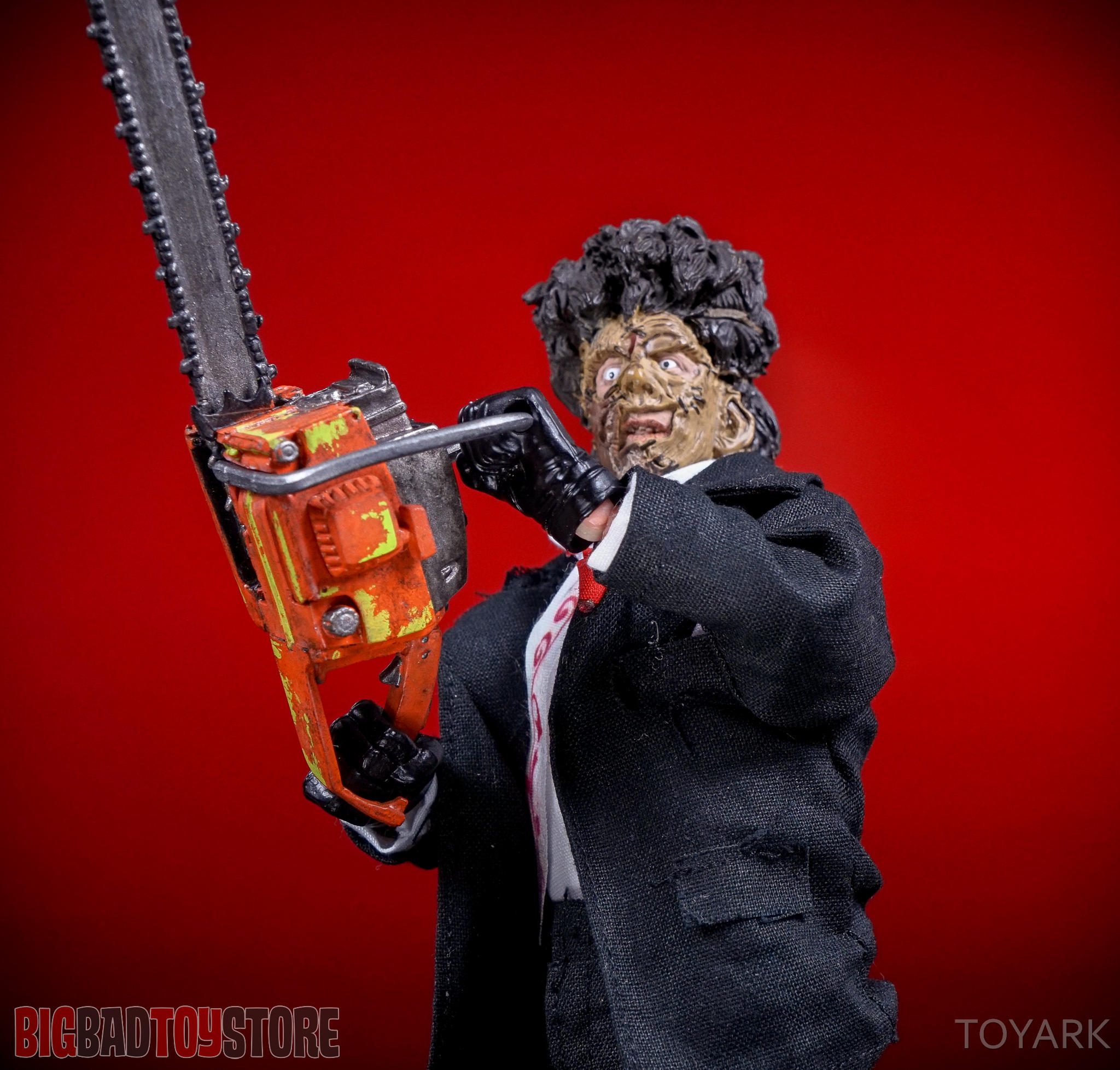 http://news.toyark.com/wp-content/uploads/sites/4/2016/07/NECA-TCM2-Leatherface-018.jpg