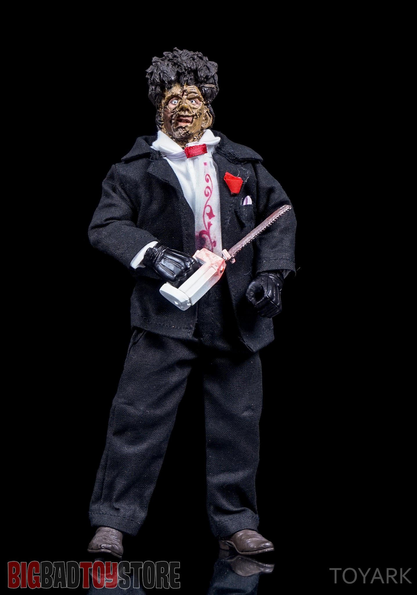 http://news.toyark.com/wp-content/uploads/sites/4/2016/07/NECA-TCM2-Leatherface-028.jpg