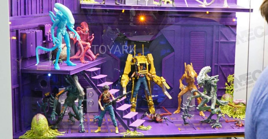 SDCC 2016 NECA Aliens Friday 001