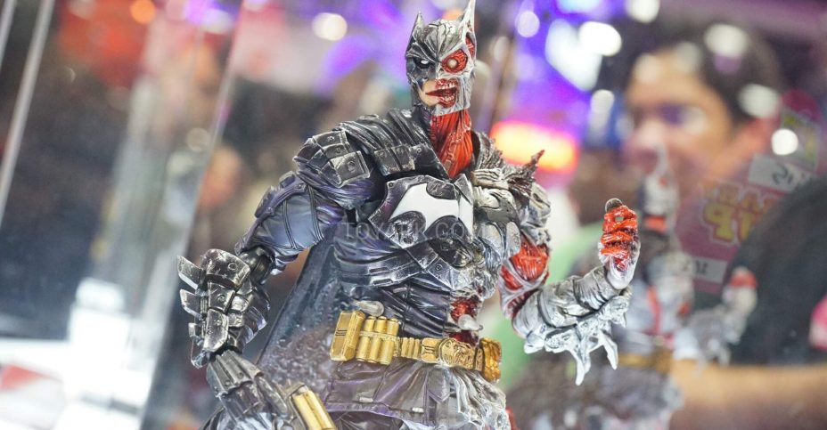 SDCC 2016 Play Arts Kai DC 001