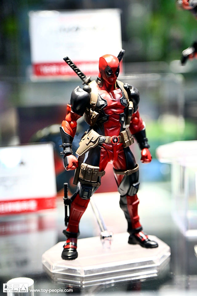 Kaiyodo At Wf2016 With Revoltech Spider Man And Deadpool